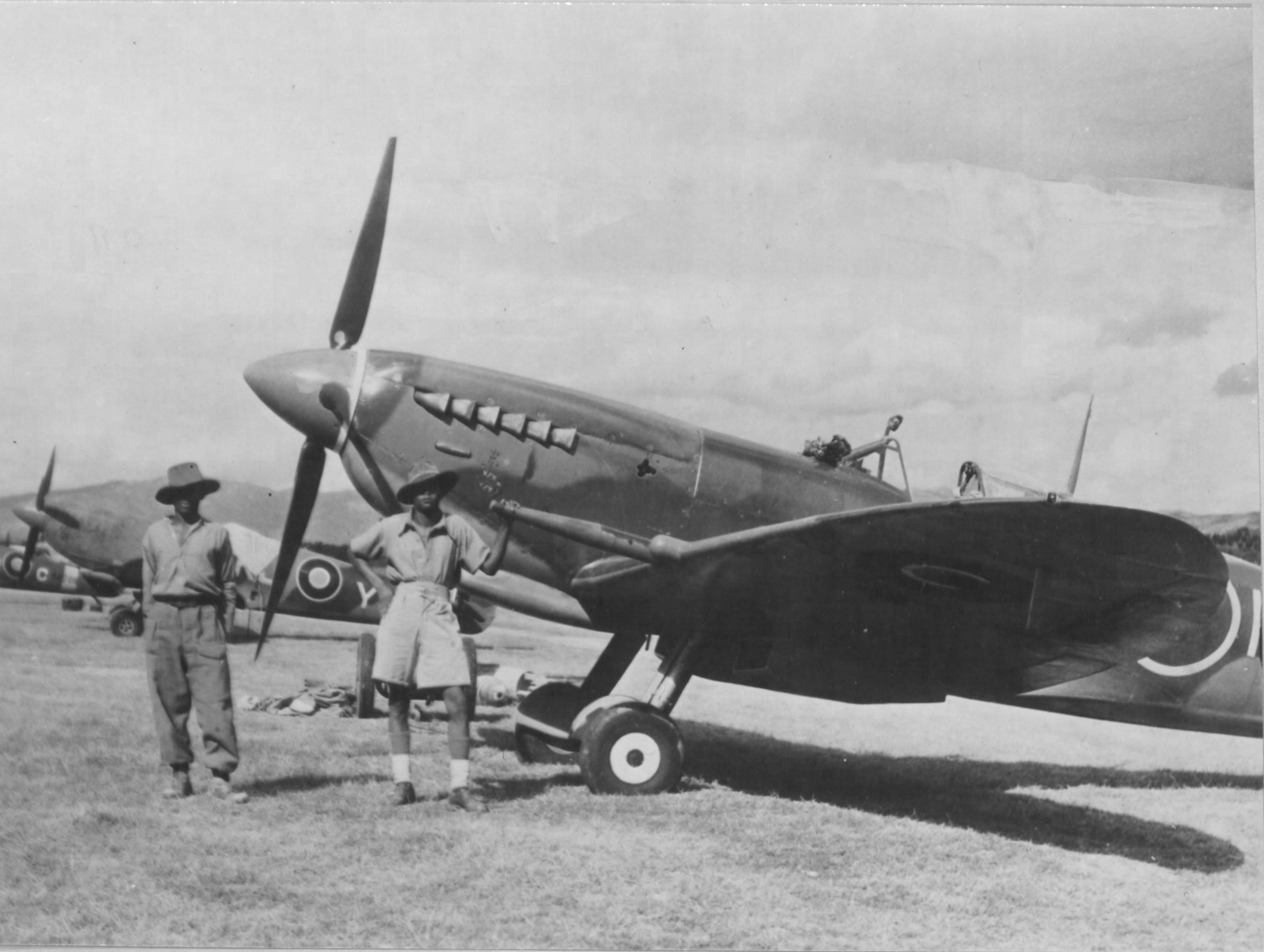 Spitfire MkIX SAAF Italy 01