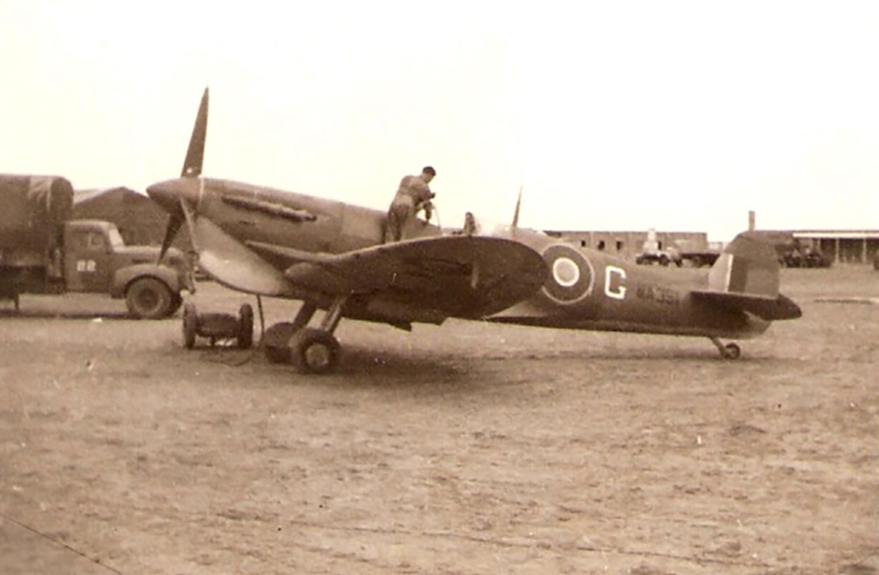 Spitfire MkVcTrop SAAF 3Sqn CAG MA351 01