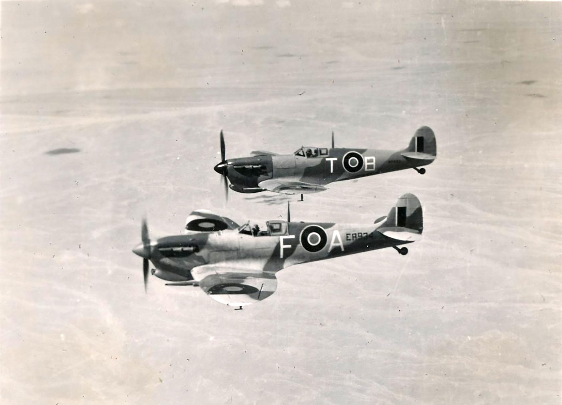 Spitfire MkVcTrop SAAF 73OTU FA ER934 over Egypt 02