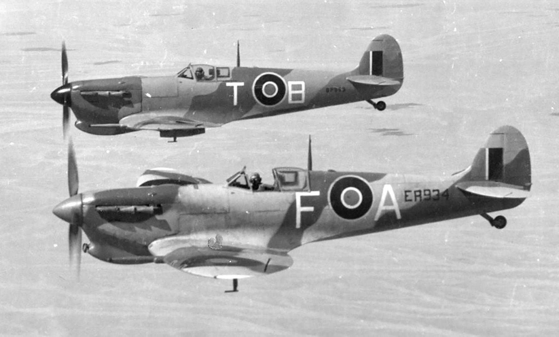 Spitfire MkVcTrop SAAF 73OTU FA ER934 over Egypt 03