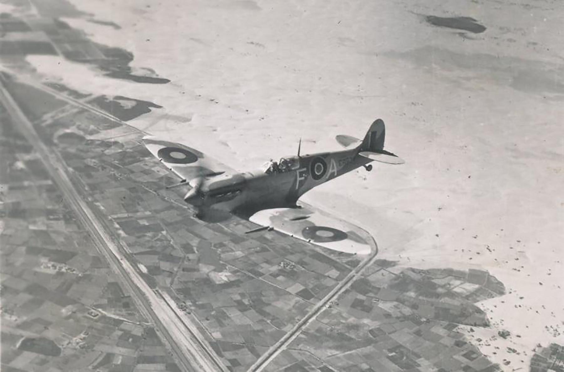 Spitfire MkVcTrop SAAF 73OTU FA ER934 over Egypt 04