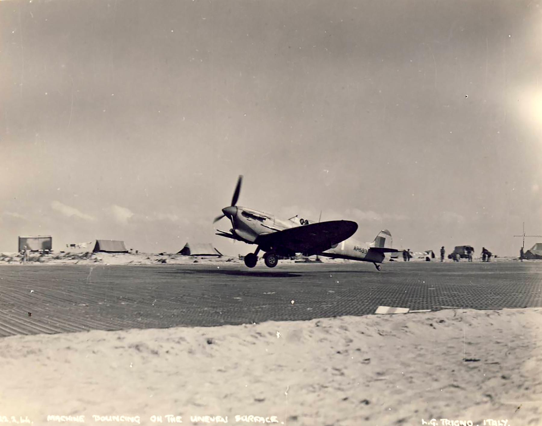 Spitfire MkVcTrop SAAF AR593 North Africa 1943 01