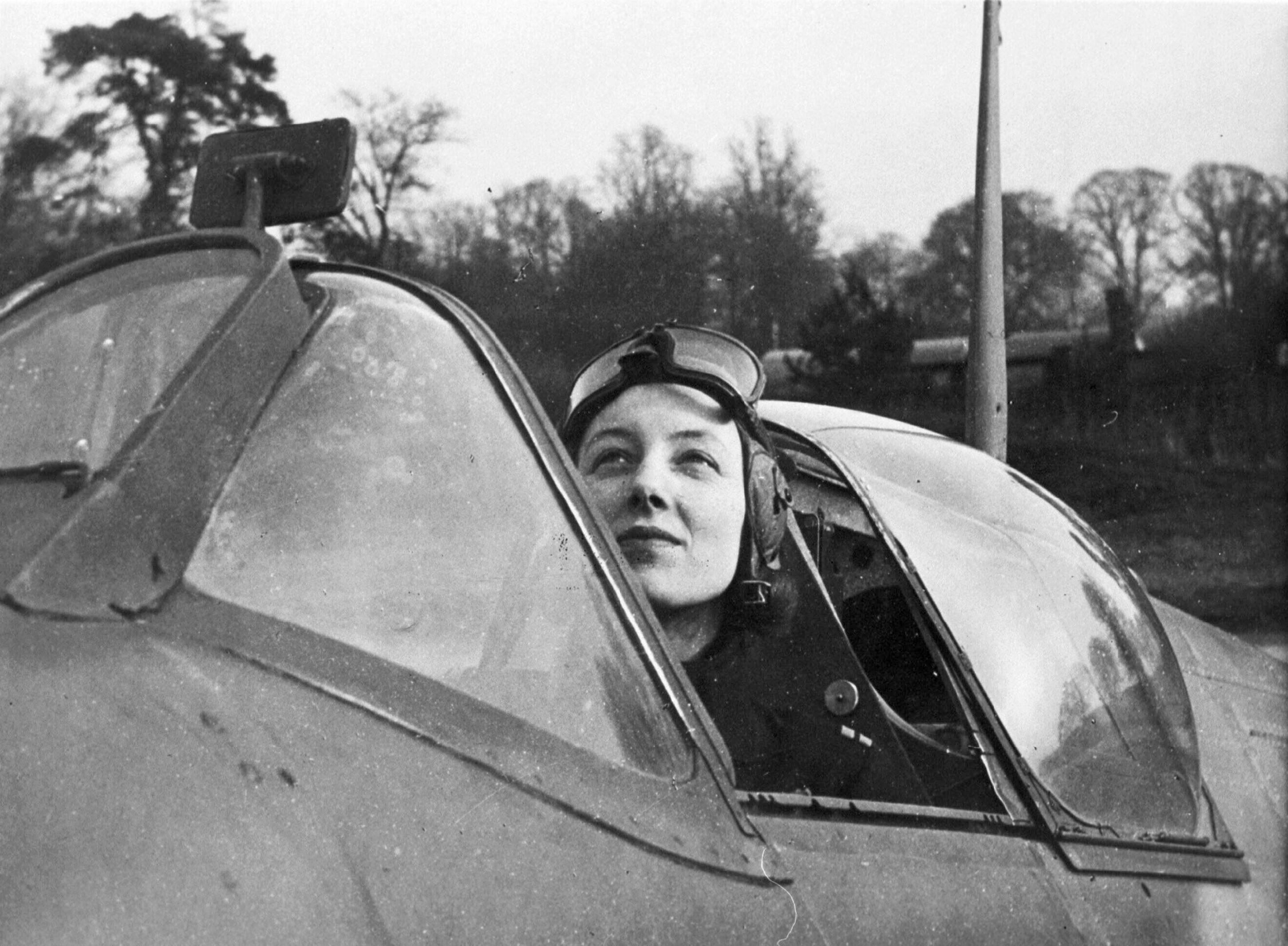 Aircrew RAF Veronica X a Dutch ferry pilot for the ATA 22nd Feb 1943 NIOD