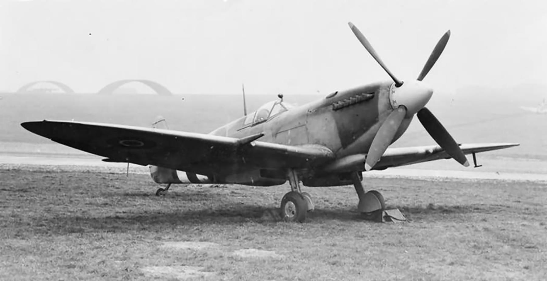 Factory fresh Spitfire LFXVIe RAF on the ground 1944 web 01
