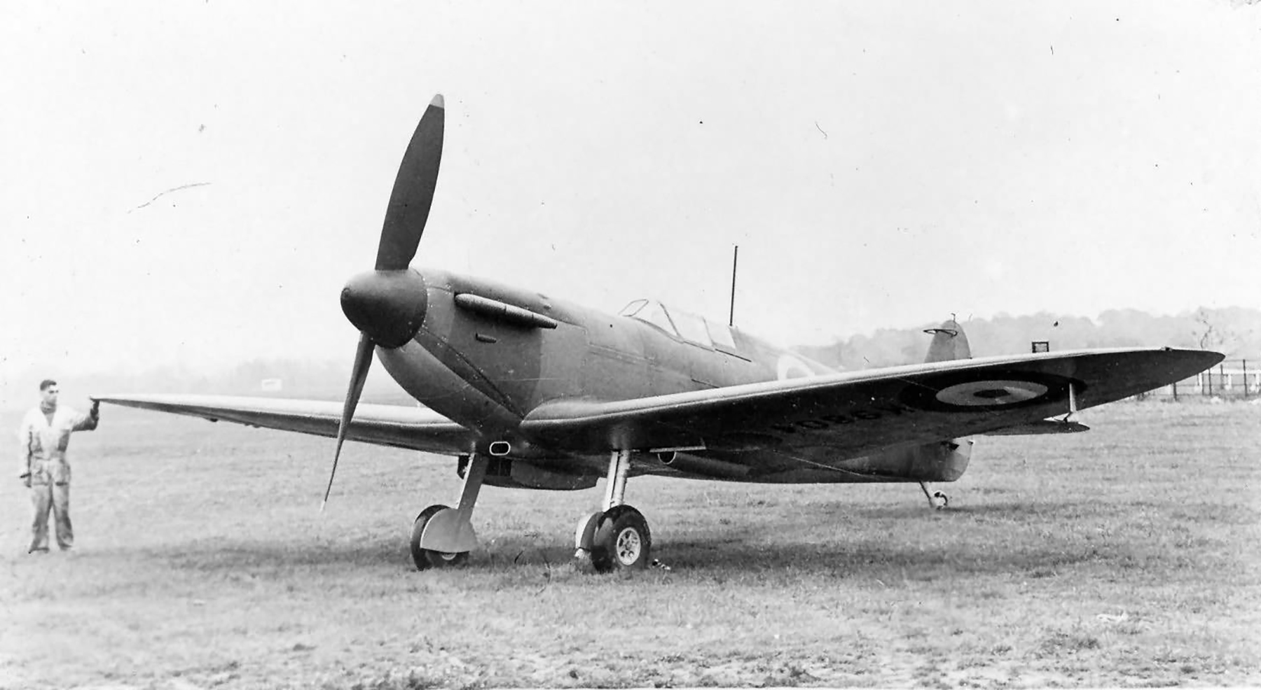 Factory fresh Spitfire MkI K9801 with 2 blade propeller profile view web 01