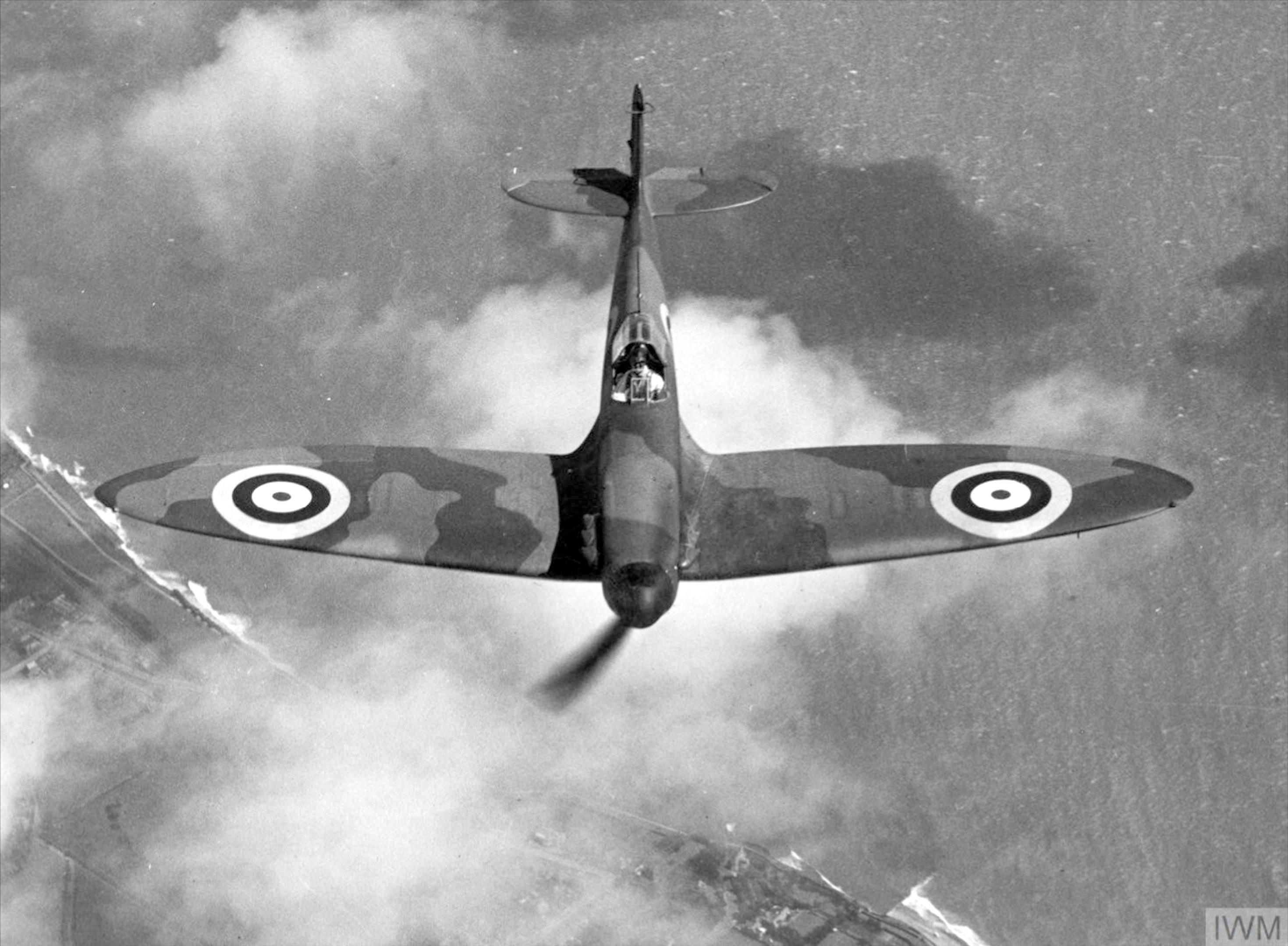 Factory fresh Spitfire MkI test flight May 1940 IWM HU104755