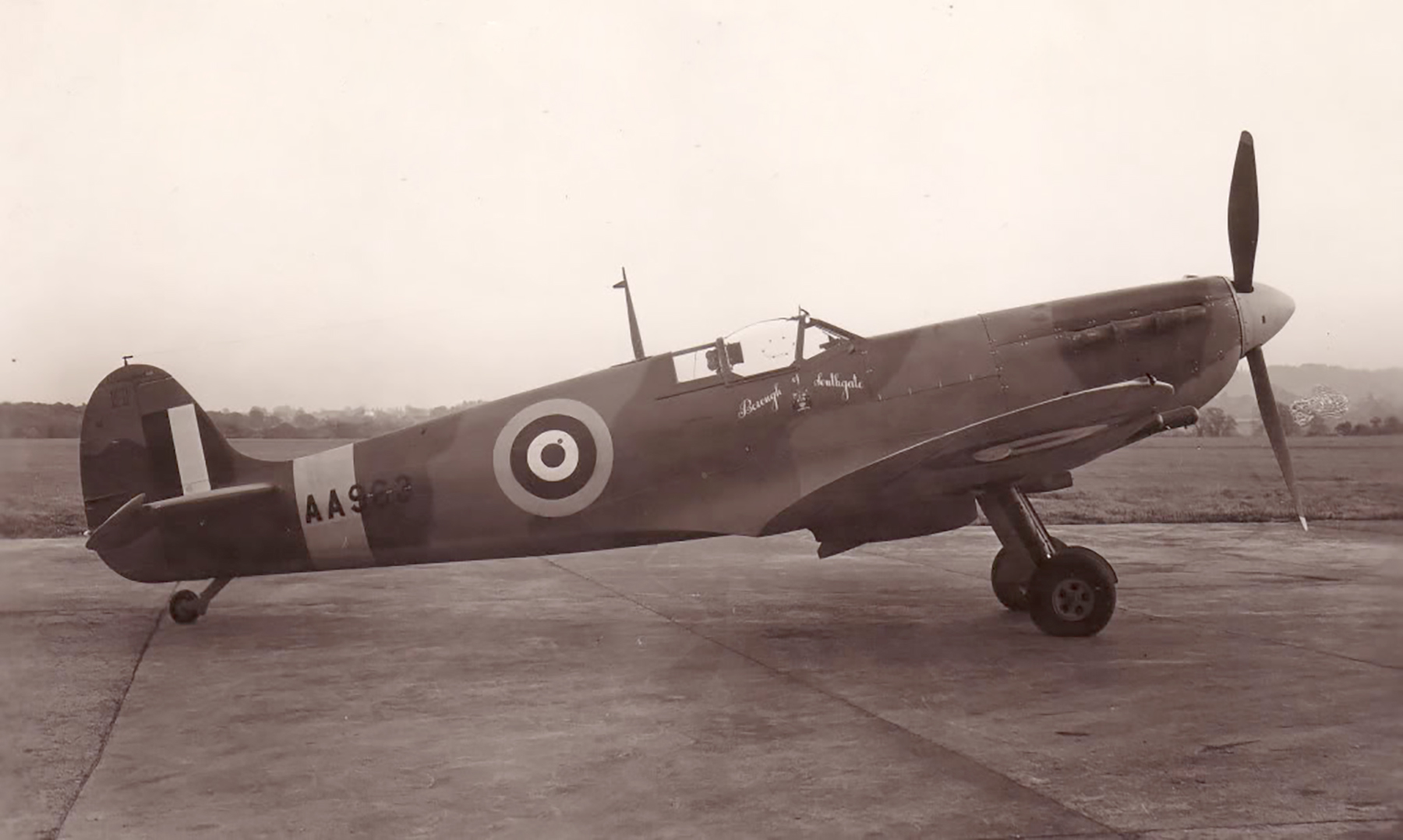 Factory fresh Spitfire MkVc RAF Borough of Southgate AA963 exhibited Chicago stayed in USA May 1942 01