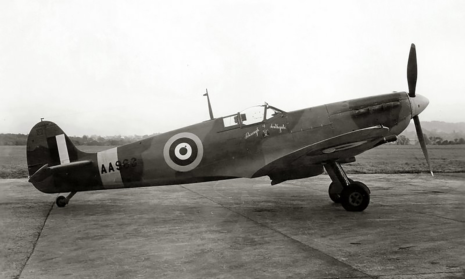 Factory fresh Spitfire MkVc RAF Borough of Southgate AA963 exhibited Chicago stayed in USA May 1942 02