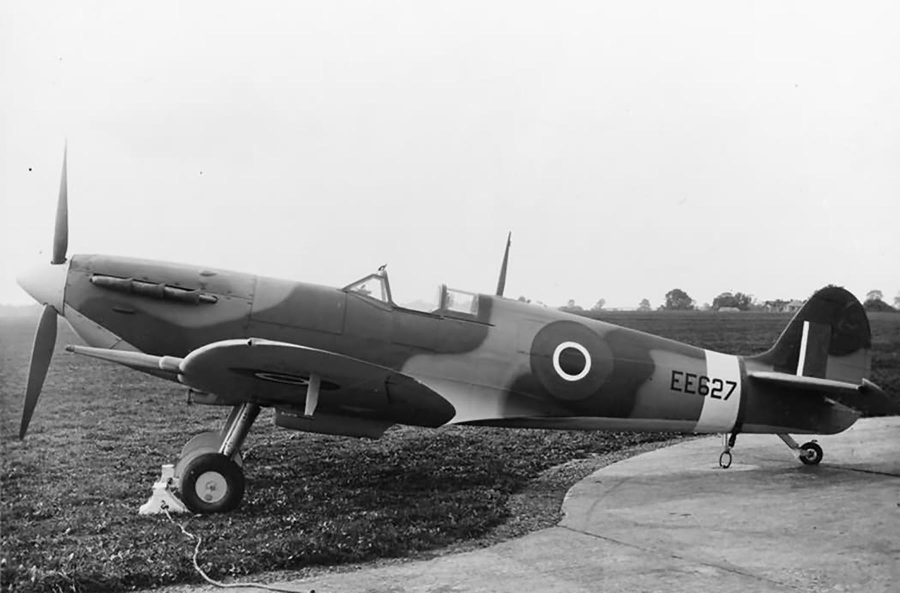 Factory fresh Spitfire MkVc RAF EE627 England web 01