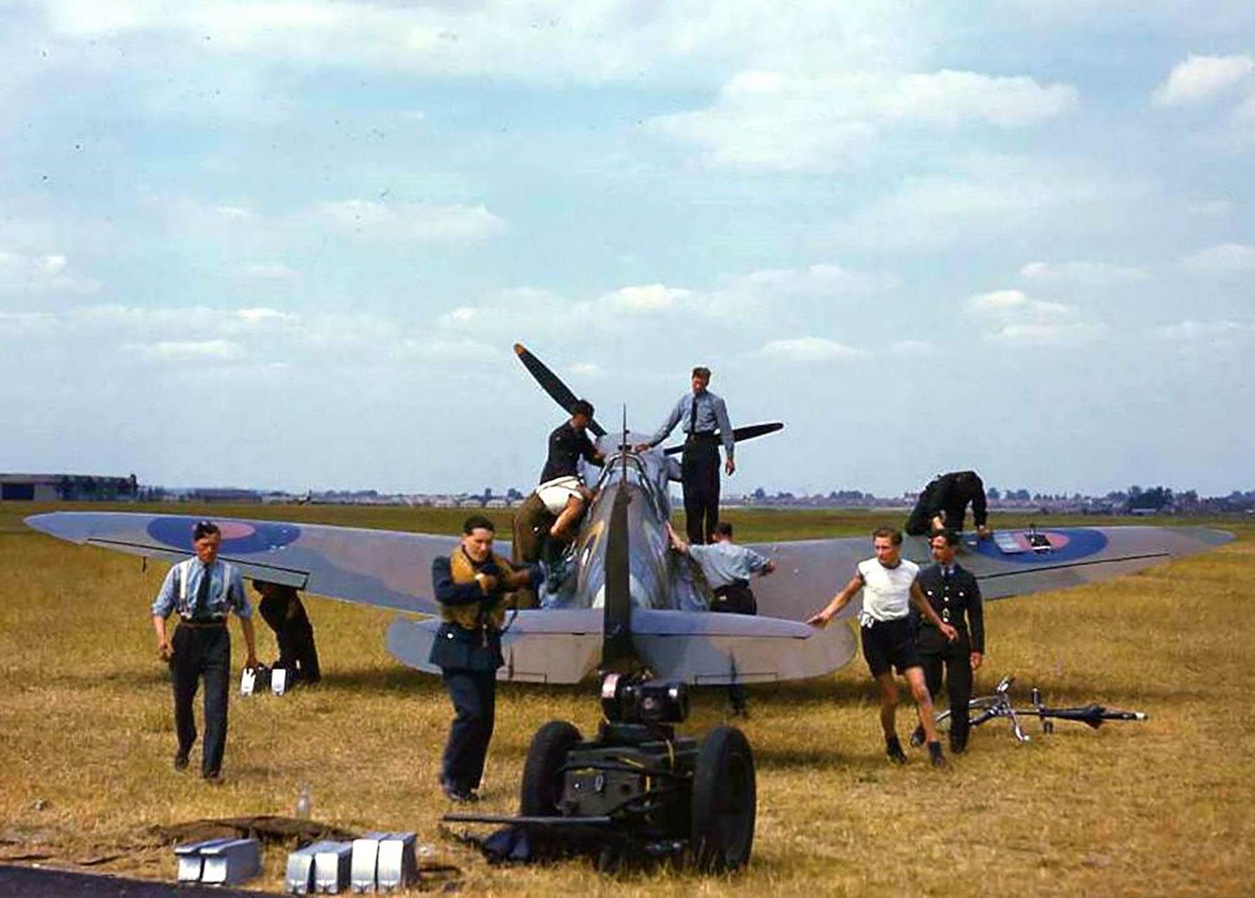 Great colour photos showing Spitfires being rearmed England 02