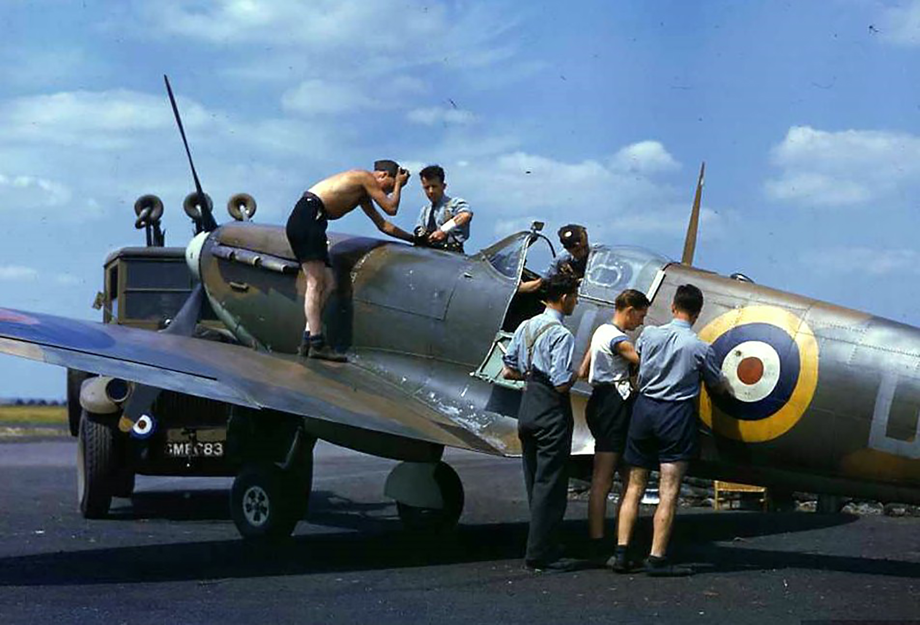 Great colour photos showing Spitfires being rearmed England 03