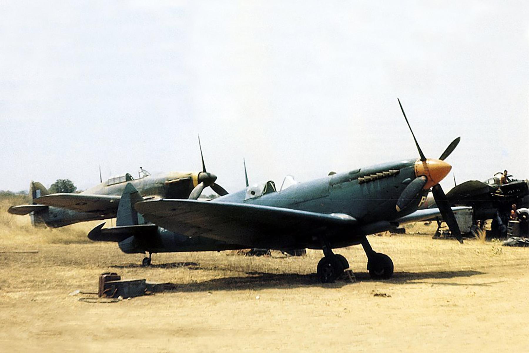 Recon Spitfire PTIX RAF 681Sqn at Monywa Burma 1945 01