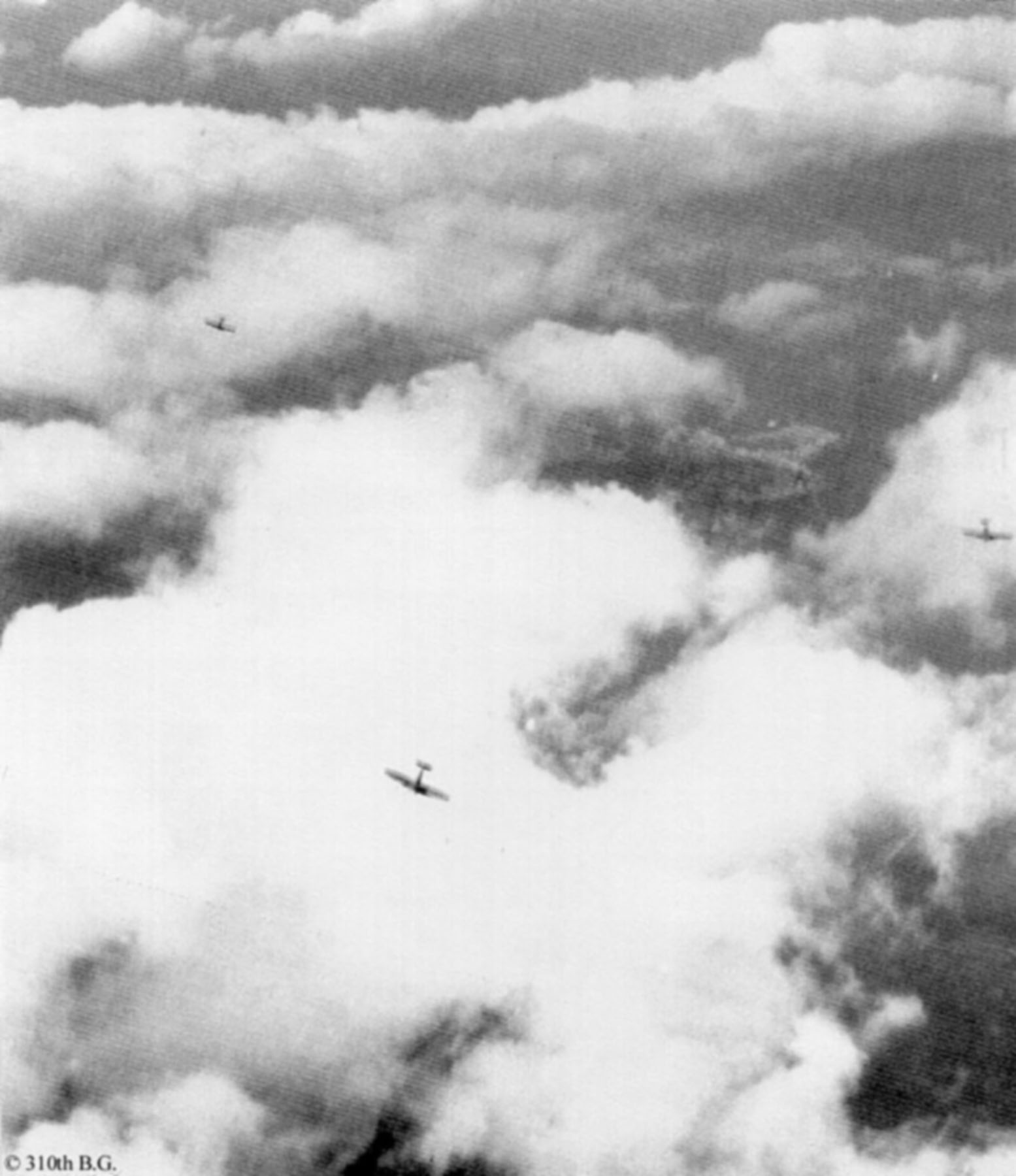 Spitfire Appennines in Italy Wartime BW RAF 01