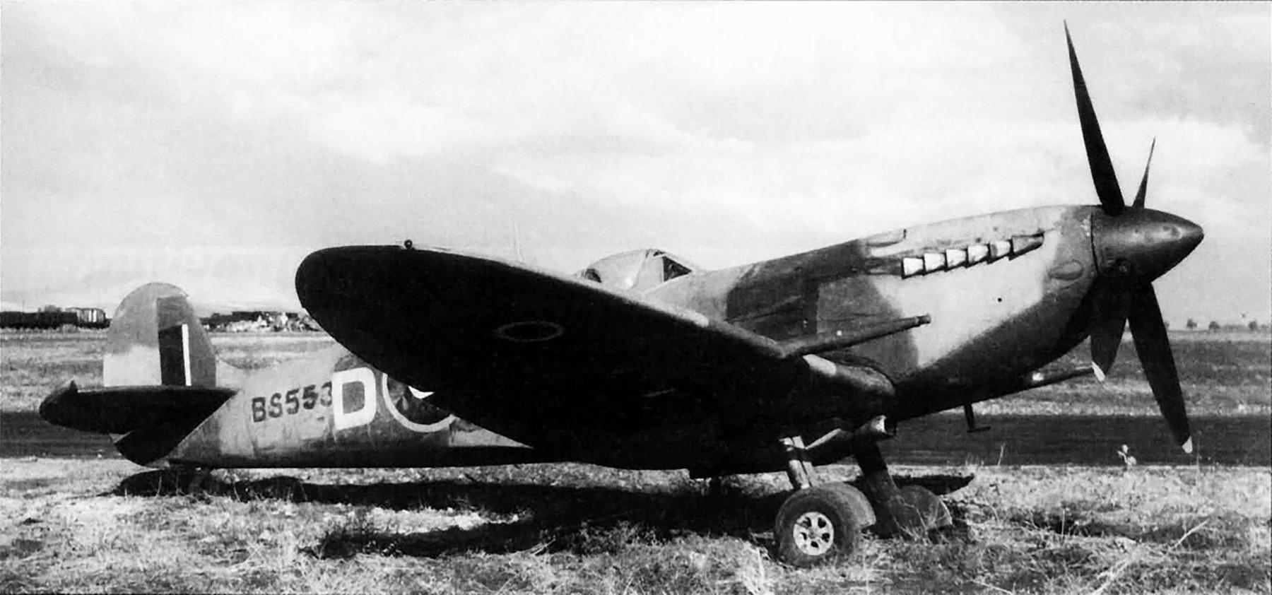 Spitfire MkIX RAF BS553 Sicily Aug 1943 01