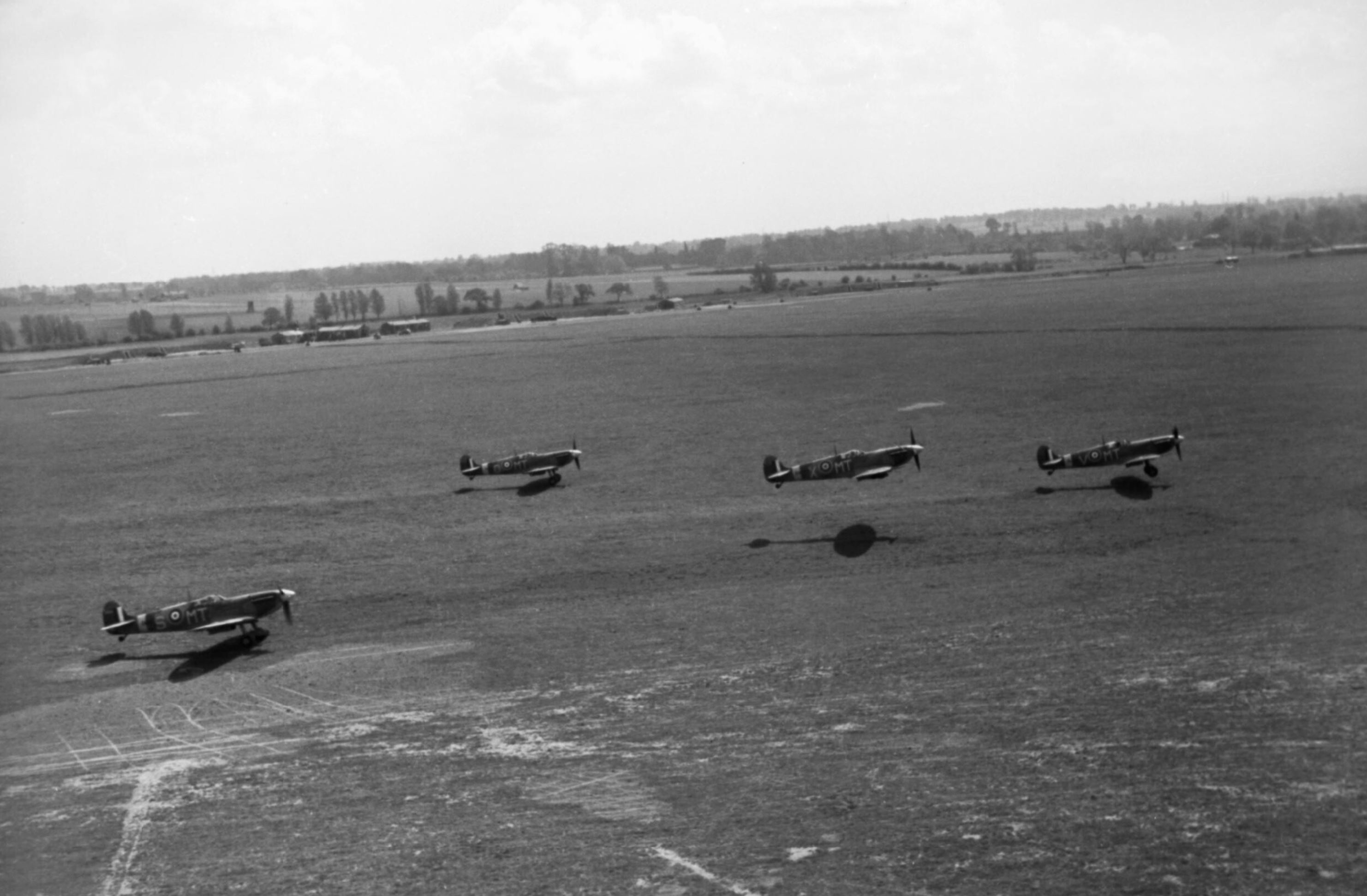 Spitfire MkVb RAF 122Sqn MTS MTO MTX MTV taking off at Hornchurch Essex May 1942 IWM CH5761