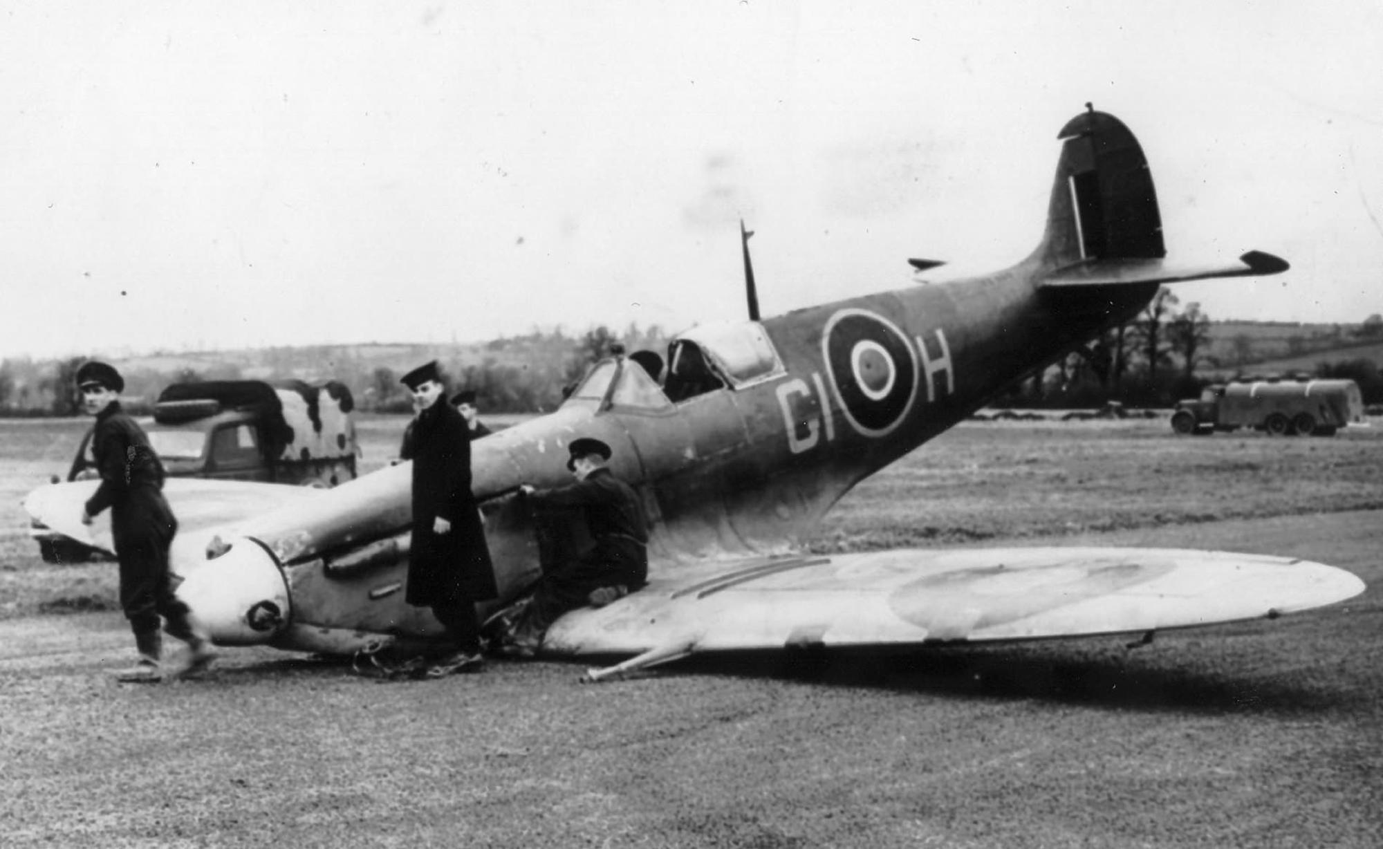 Spitfire MkVb RAF 622Sqn GIH of the FAA belly landed web 01