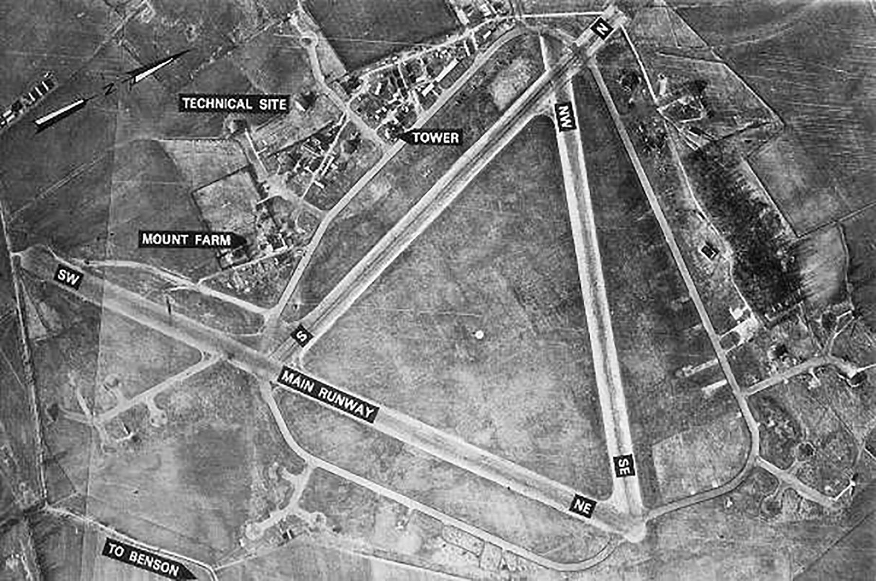 USAAAF 7PG22FS aerial recon photo showing the Mount Farm airfield England Jan 1946 01