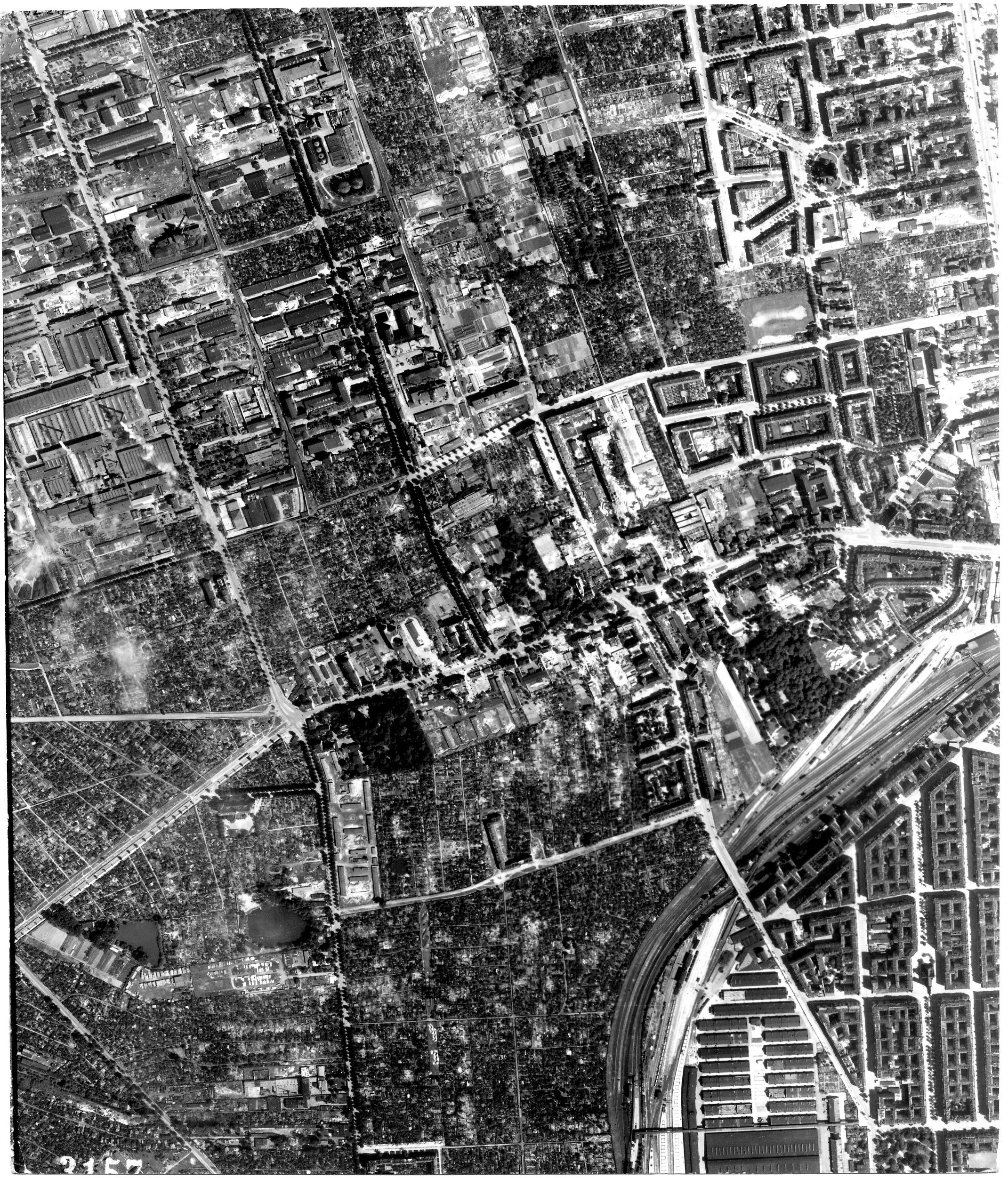 USAAAF 7PG22FS aerial recon photo to Berlin August 6 1944 01