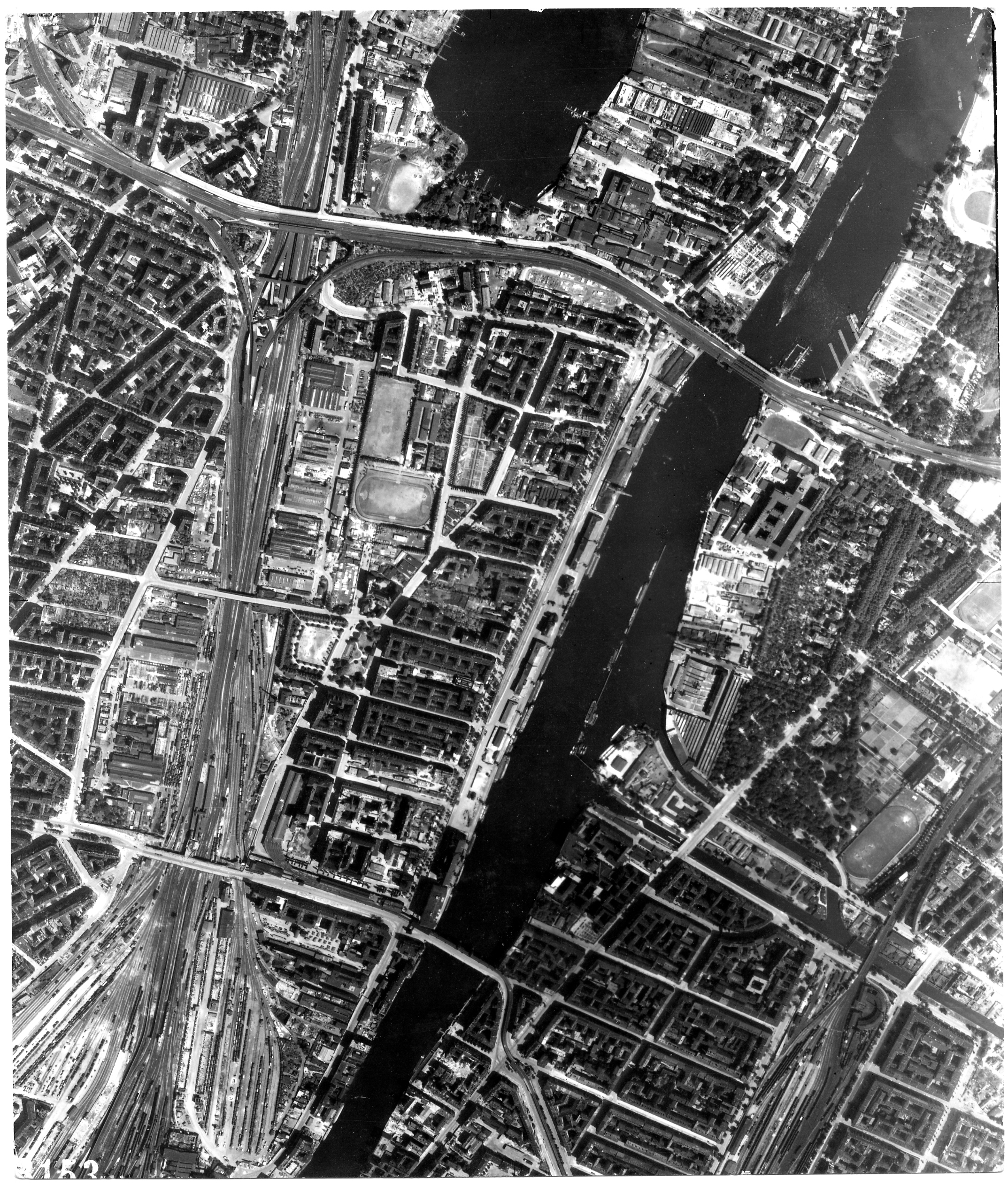 USAAAF 7PG22FS aerial recon photo to Berlin August 6 1944 02