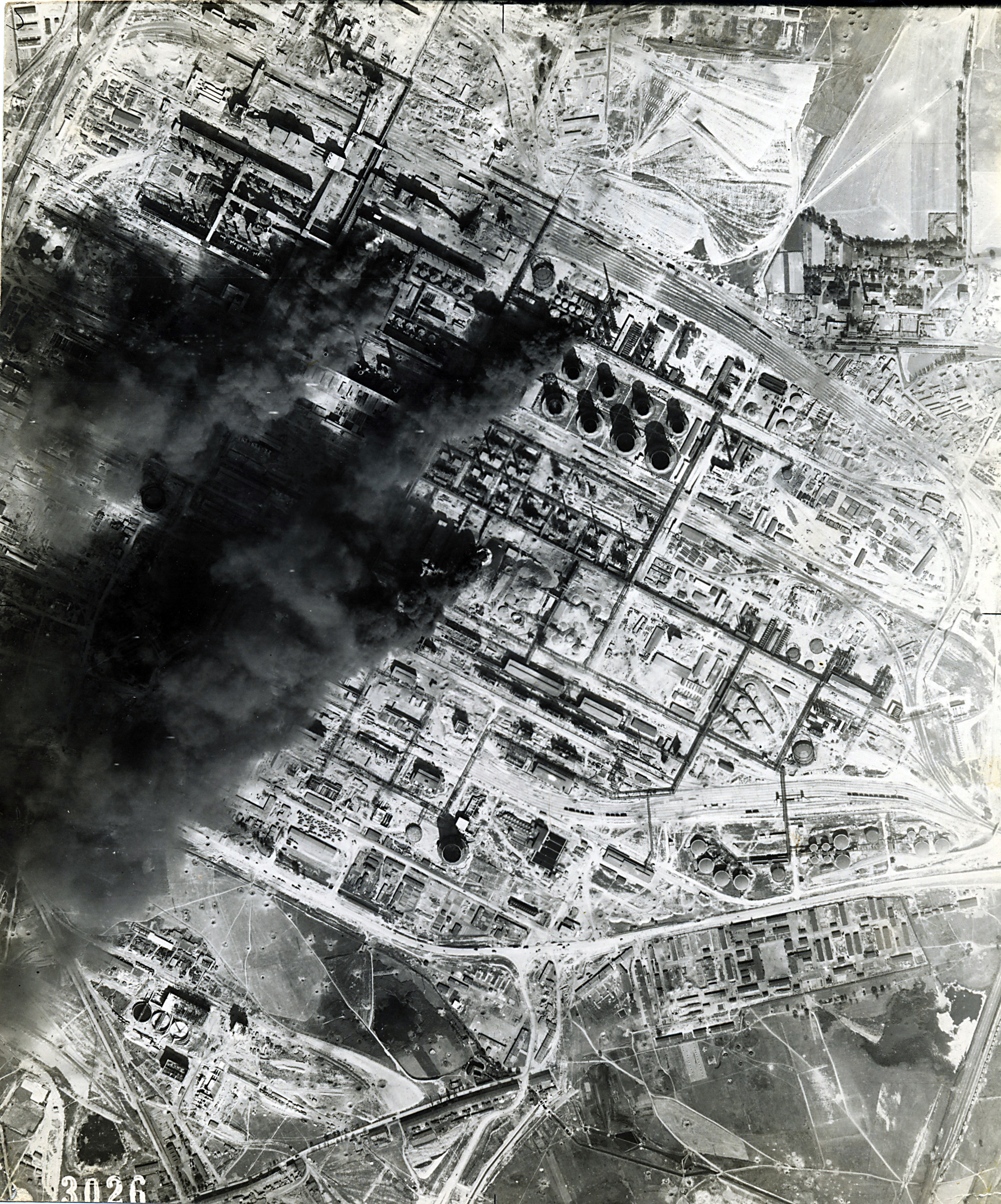 USAAAF 7PG22FS aerial recon photo to Brux Oil Refinery August 24 1944 01