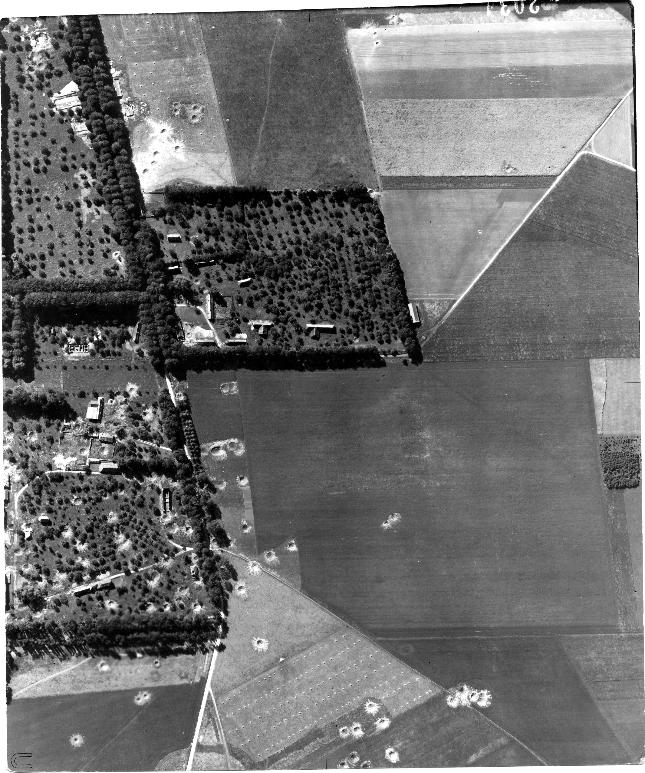 USAAAF 7PG22FS aerial recon photo to Chateau de Bosmelet V Weapons Noball France July 7 1944 01
