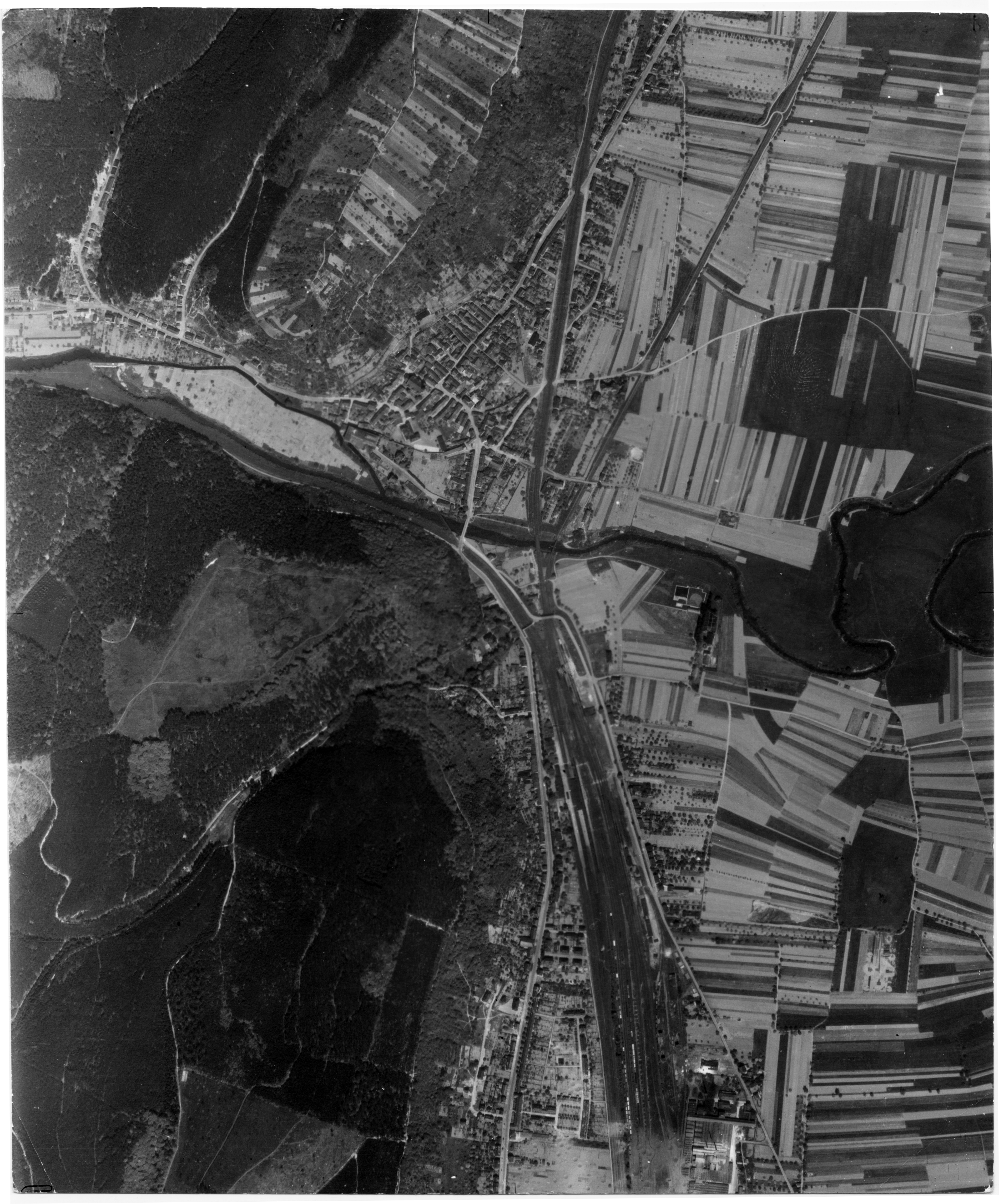 USAAAF 7PG22FS aerial recon photo to Ehrang May 12 1944 01