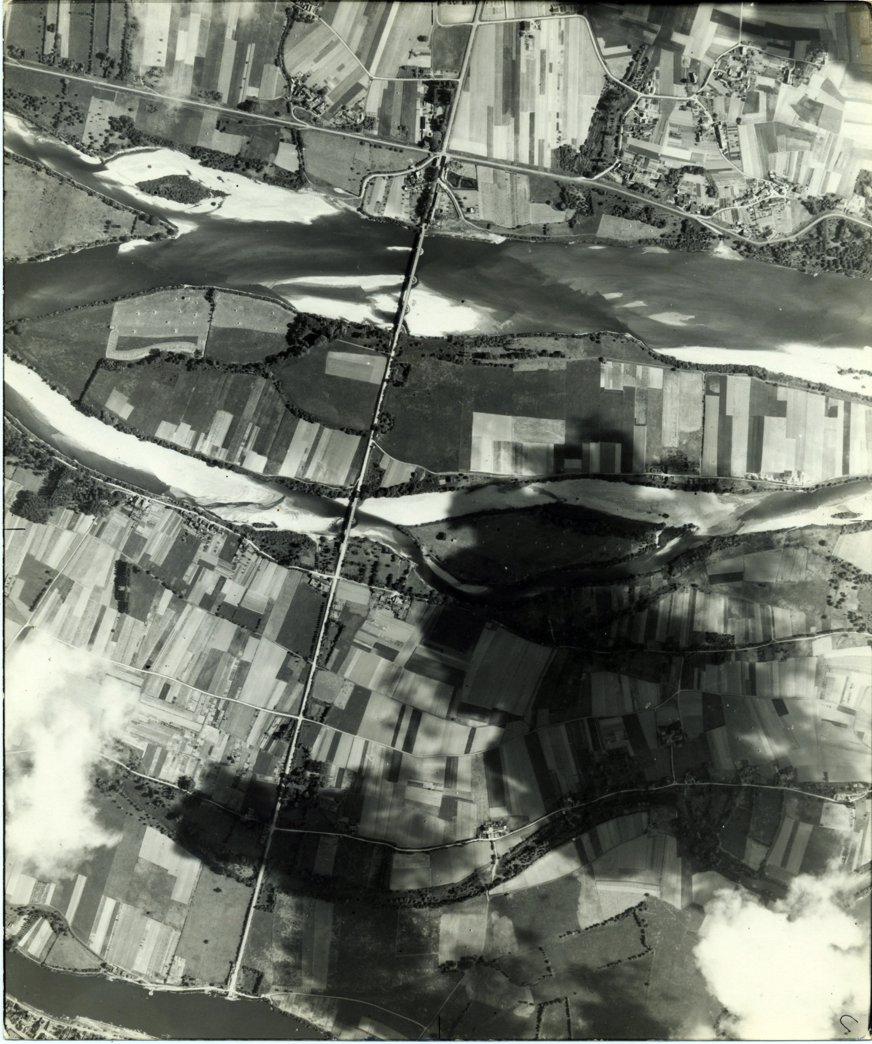 USAAAF 7PG22FS aerial recon photo to Loire Bridge France June 12 1944 01