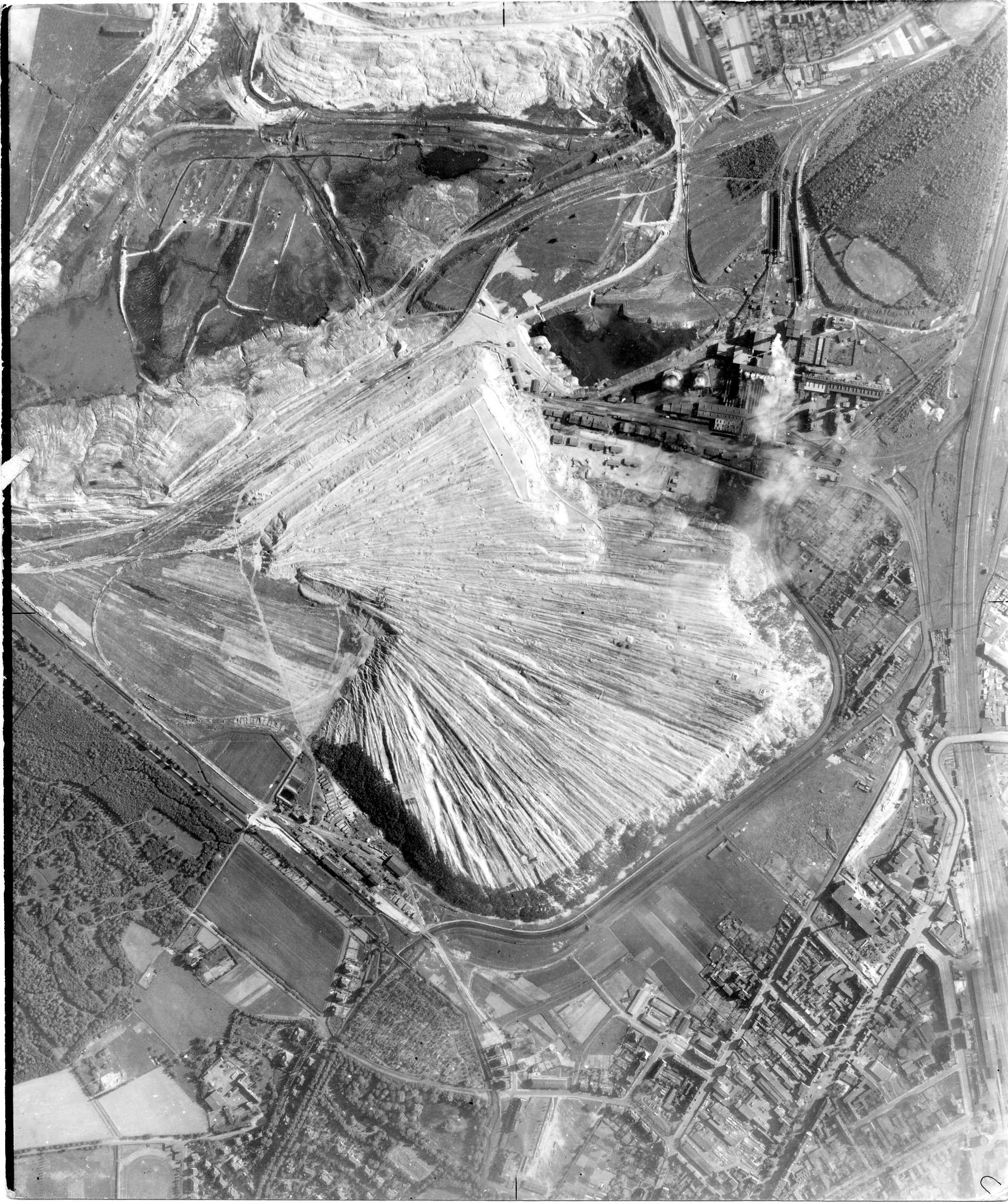 USAAAF 7PG22FS aerial recon photo to Oil Shale Field Germany May 30 1944 01