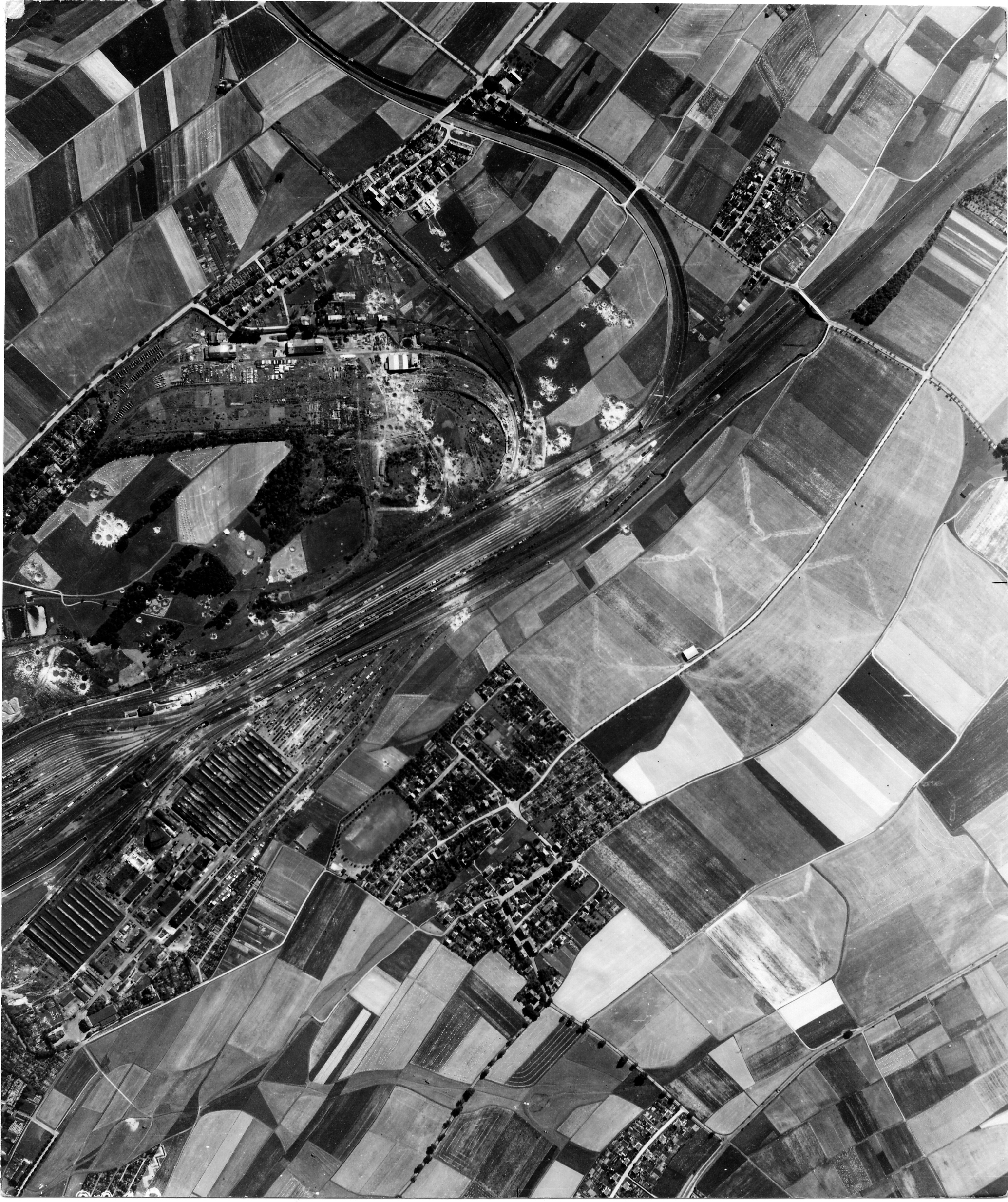 USAAAF 7PG22FS aerial recon photo to Zwickau Germany Aug 24 1944 01