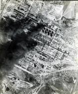 Asisbiz USAAAF 7PG22FS aerial recon photo to Brux Oil Refinery August 24 1944 01