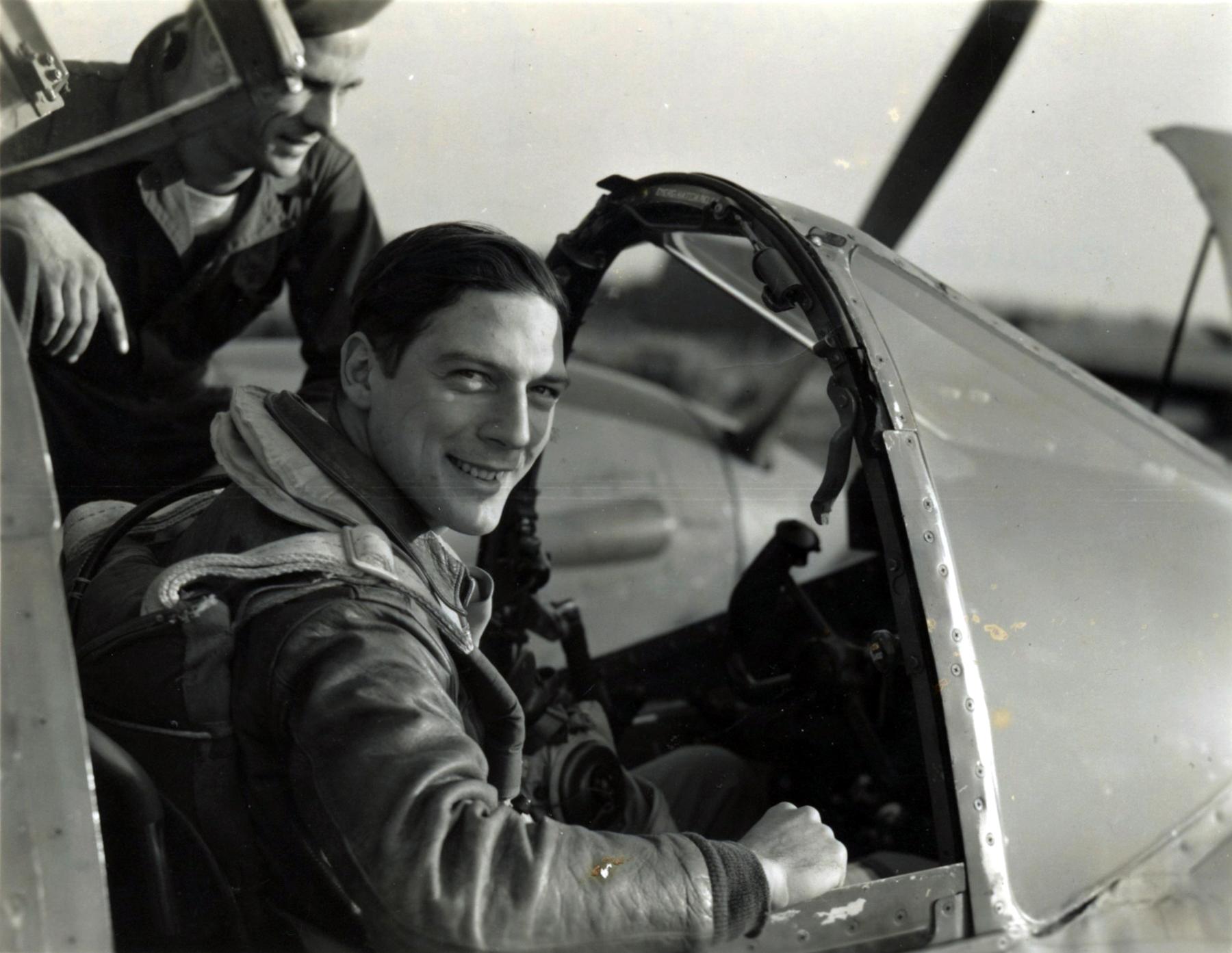 Aircrew USAAF 7PRG pilot Lt Robert Kraft In F 5 Cockpit 01