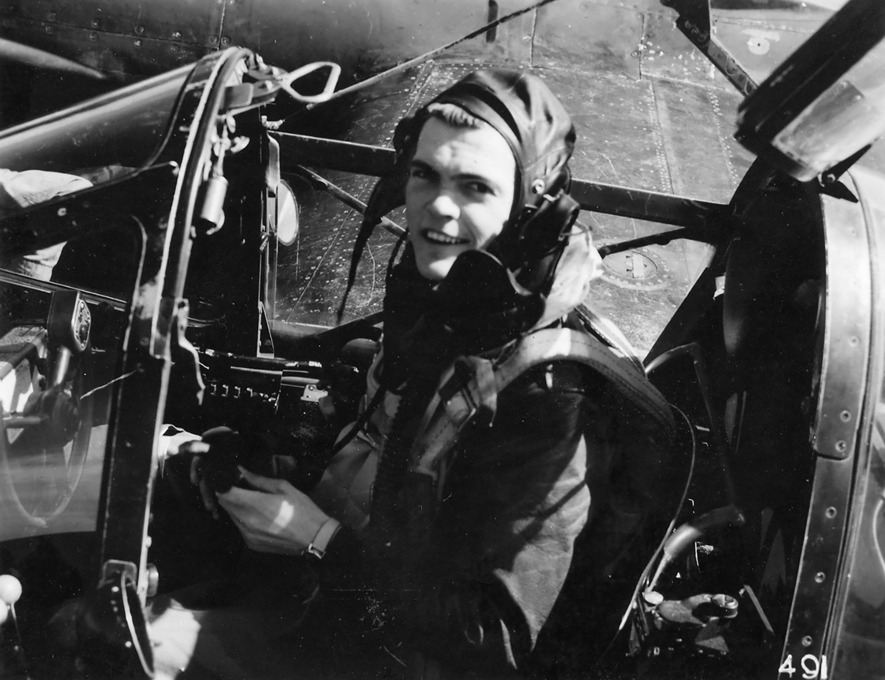 Aircrew USAAF 7PRG pilot Lt Wendell W Blickensderfer in F 5 Cockpit 01