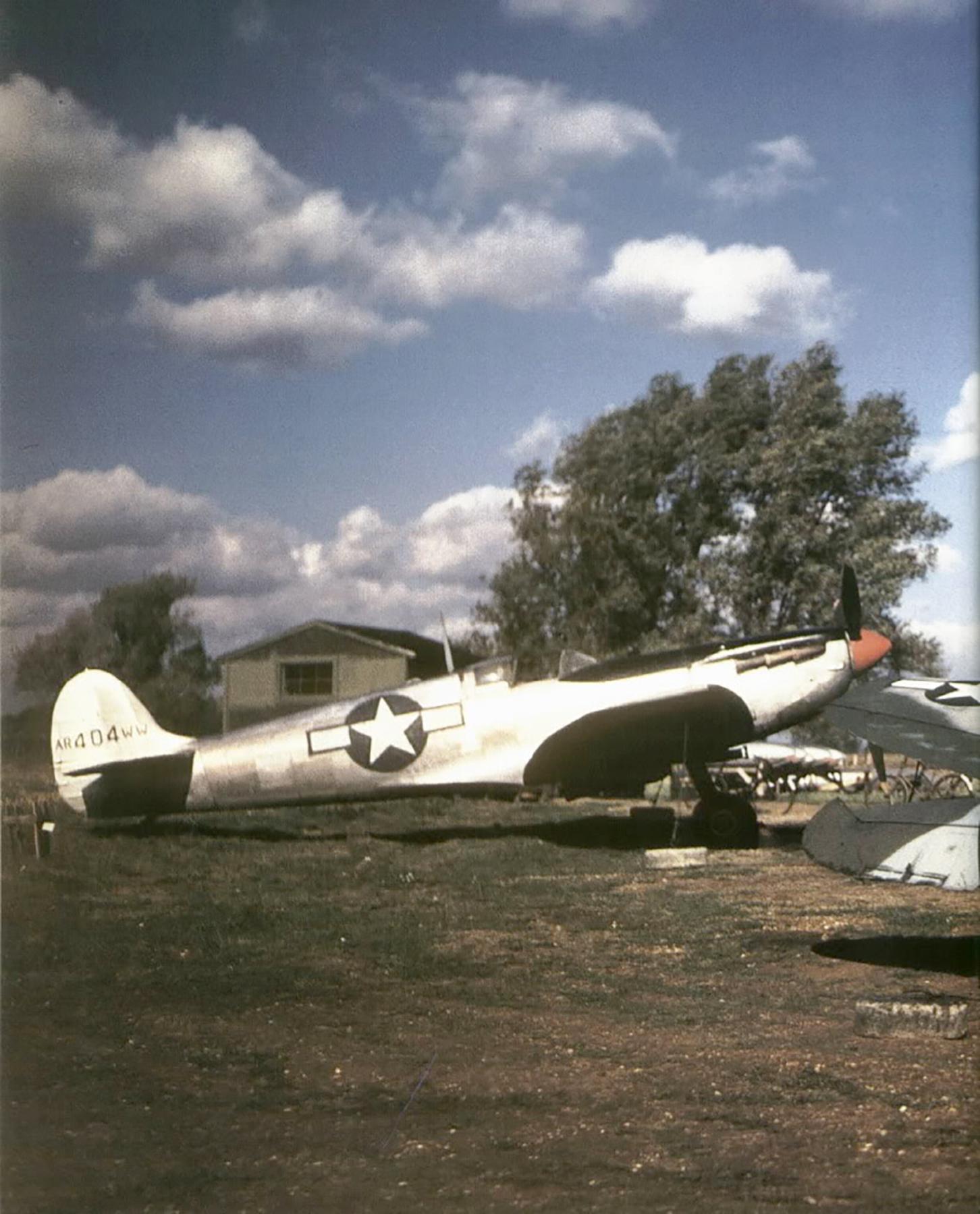 Spitfire PRVb USAAF 7PG AR404 WW war weary at Mount Farm 1943 02