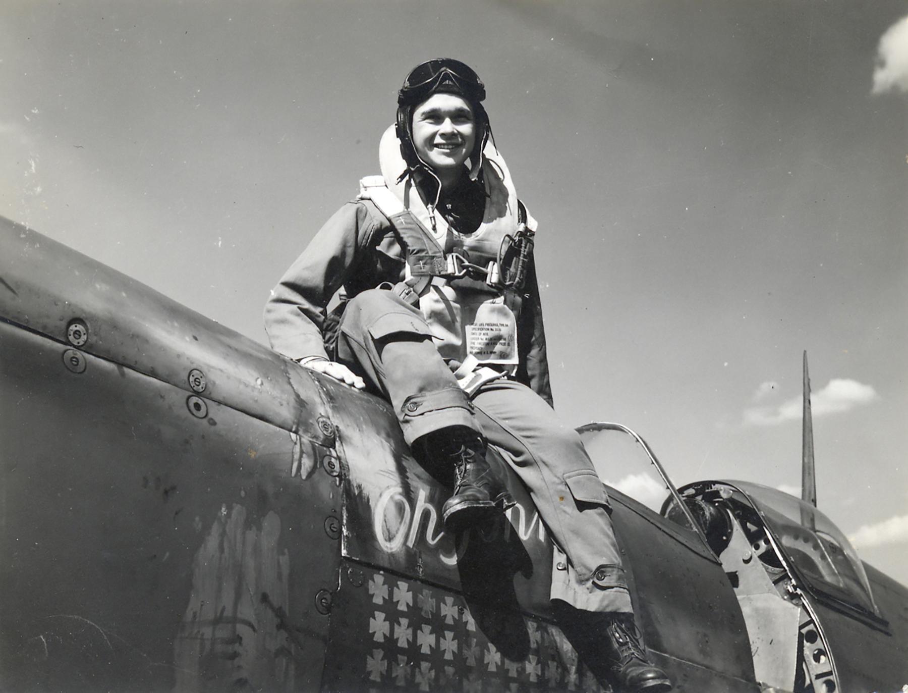 Spitfire PRXIT USAAF 7PRG Gerald Glaza Oh Johnnie MB948 England 1944 01