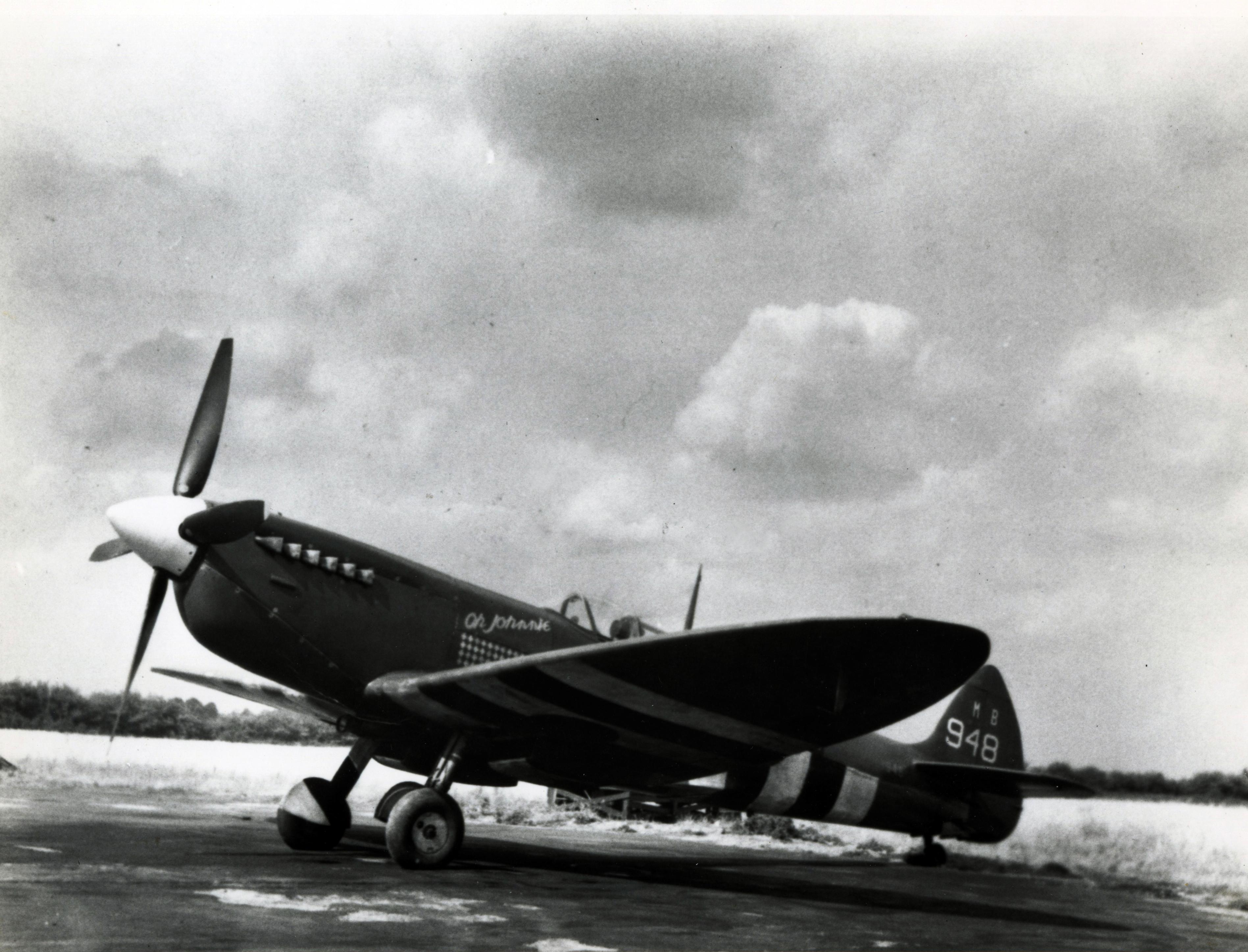 Spitfire PRXIT USAAF 7PRG John S Blyth Oh Johnnie MB948 England 1944 01