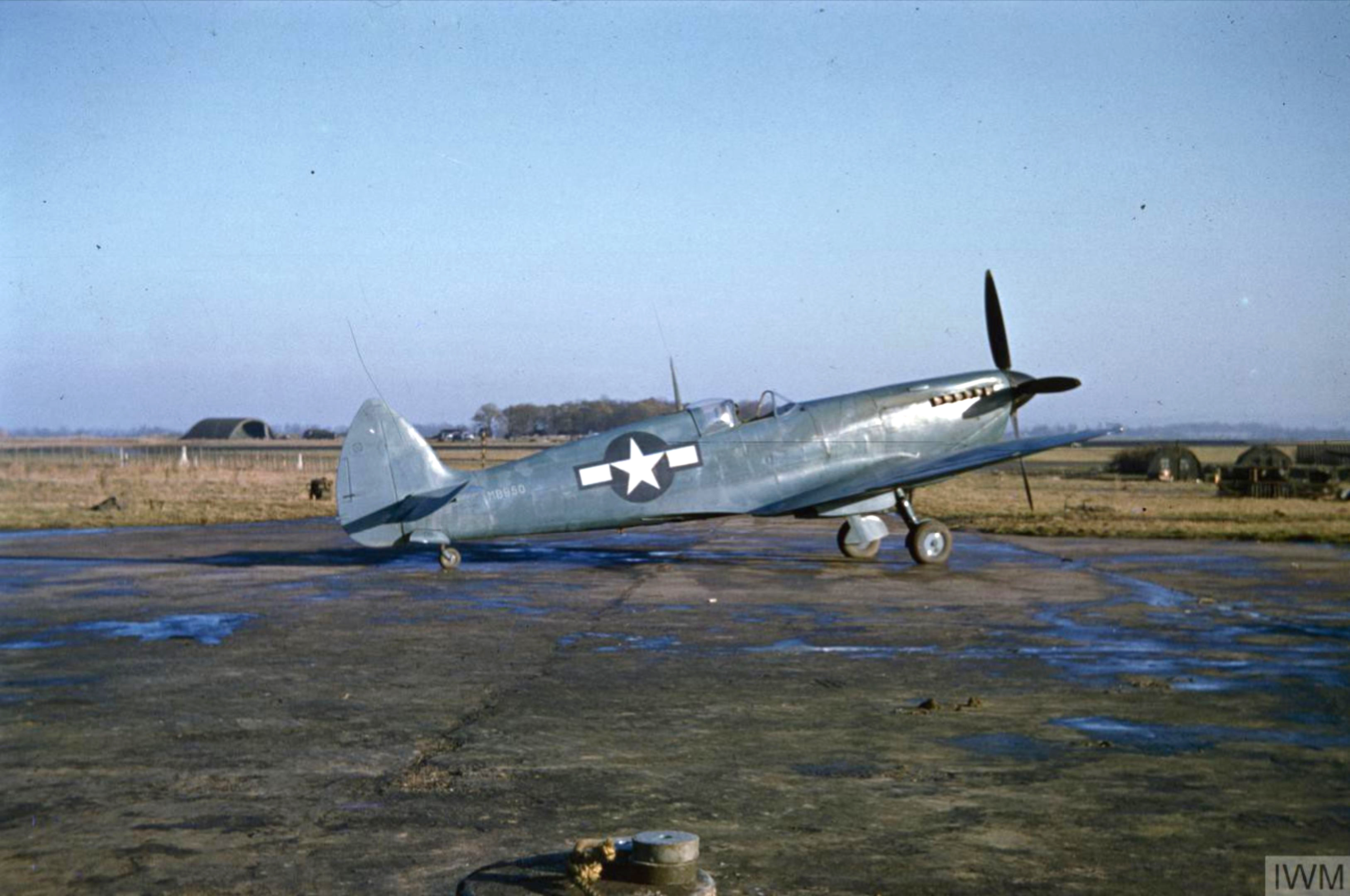 Spitfire PRXIT USAAF 7PRG14PS MB950 Oxfordshire 1944 IWM COL474