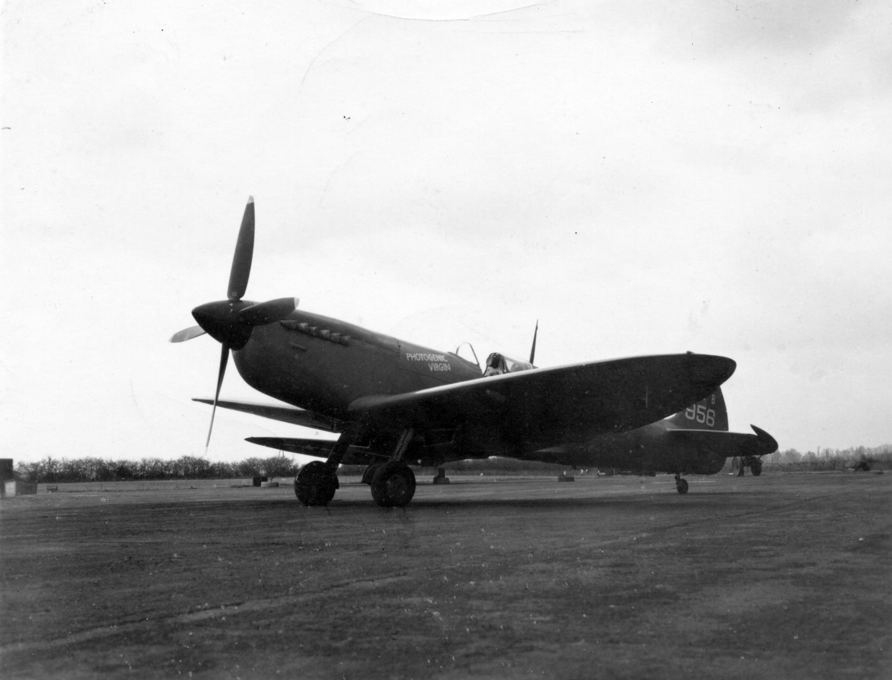 Spitfire PRXIT USAAF 7PRG22FS Photogenic Virgin MB956 England 1944 01