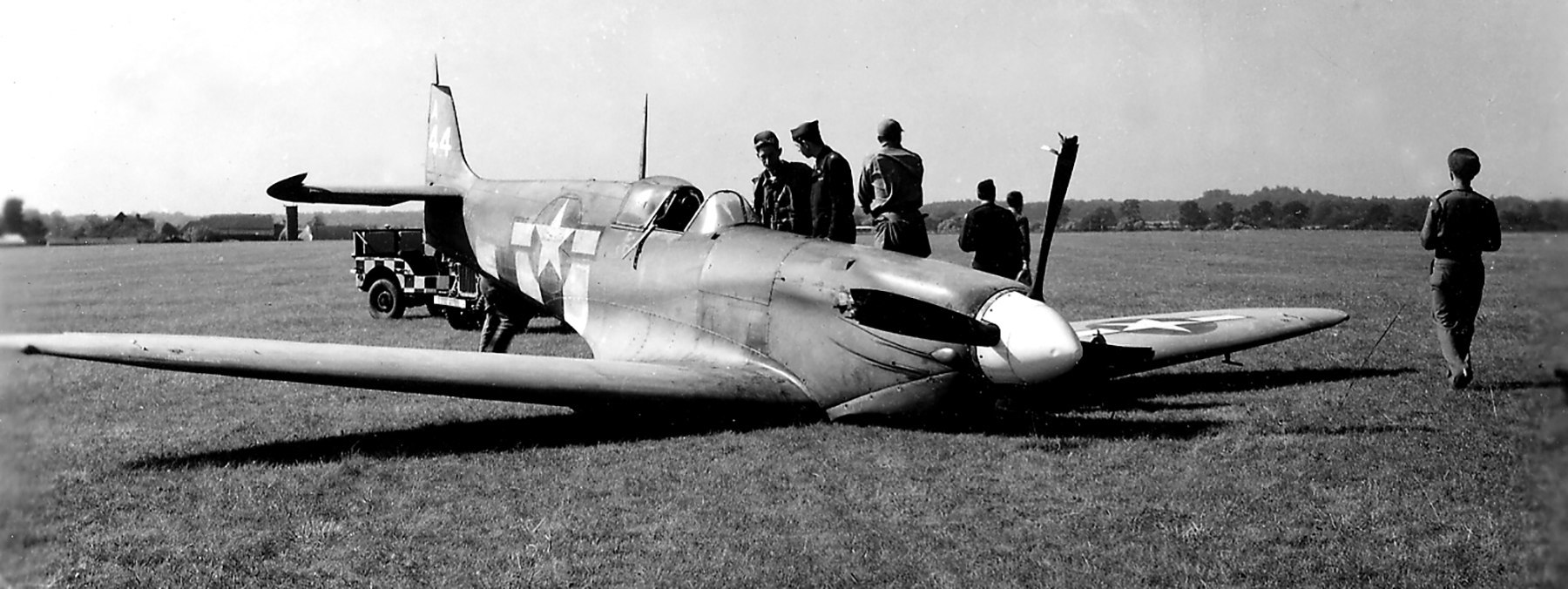 Spitfire PRXIT USAAF Belly Landing PA944 Oxfordshire 12th Sep 1944 01