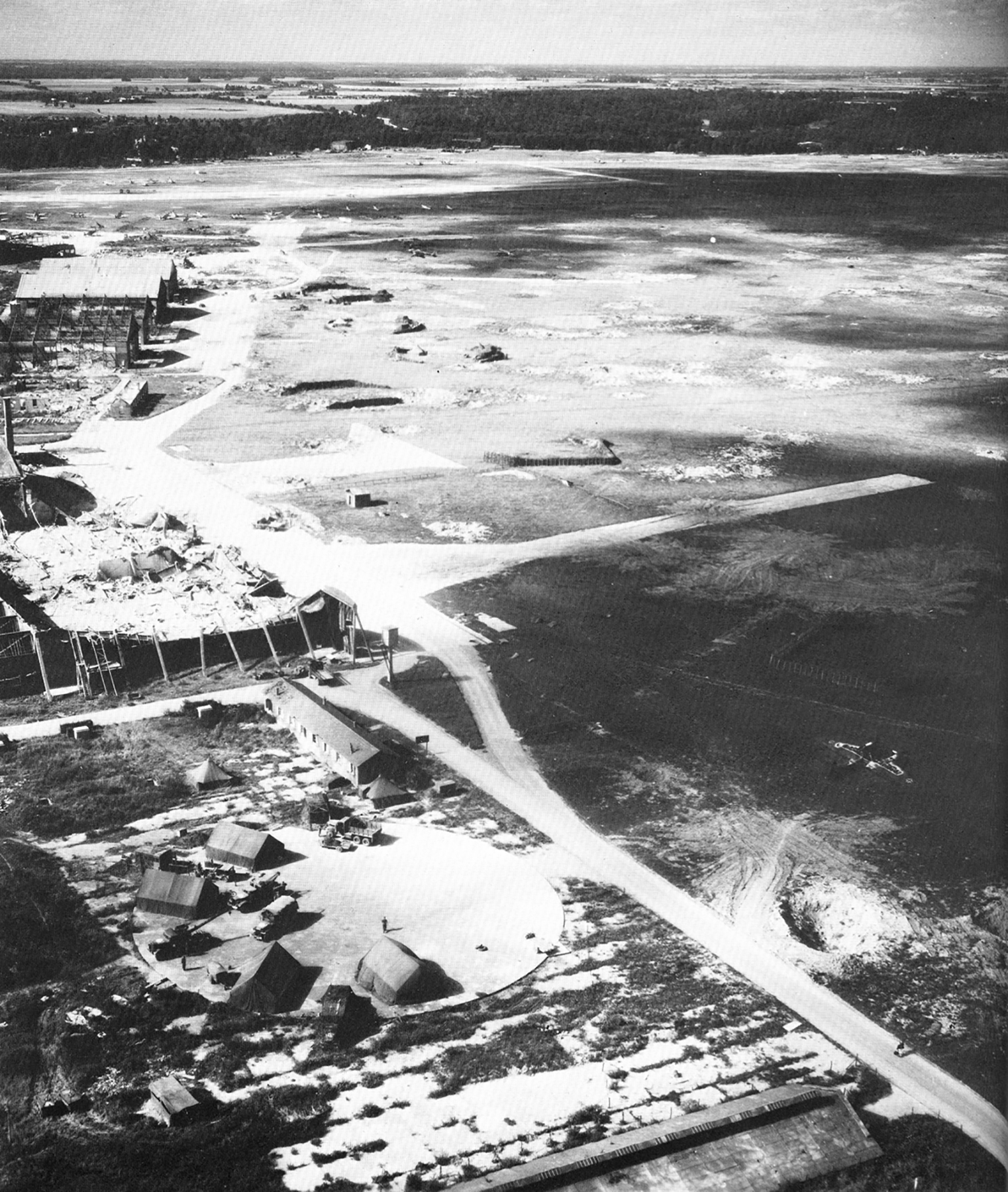 USAAAF 7PG aerial recon photo to Villacoublay Airfield France 01