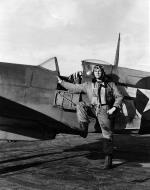 Asisbiz Aircrew USAAF 7PRG pilot World War II 01
