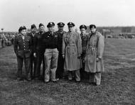 Asisbiz Aircrew USAAF 7PRG pilots group photo Mount Farm 7th Photo Group 01