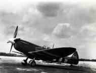 Asisbiz Spitfire PRXIT USAAF 7PRG John S Blyth Oh Johnnie MB948 England 1944 01