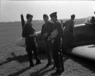 Asisbiz Spitfire PRXIT USAAF Belly Landing PA944 Oxfordshire 12th Sep 1944 02