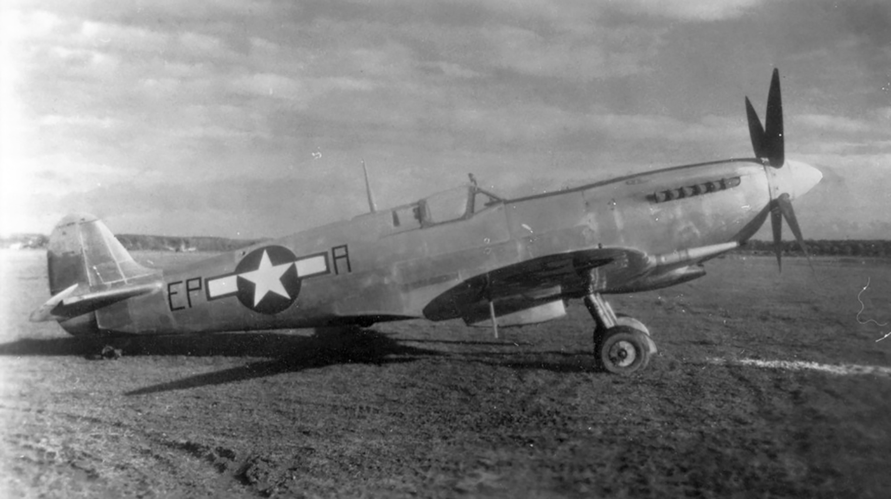 Spitfire MkIX USAAF 9th Tactical Air Command EPA LtCol EP Allen England 1944 01