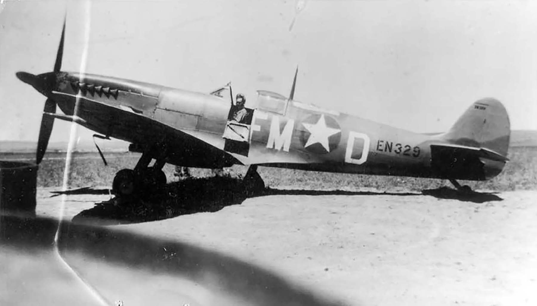 Spitfire MkIXc USAAF FMD EN329 1943 01