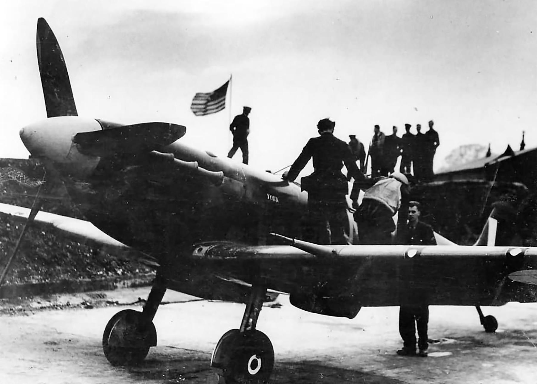 Spitfire MkVb RAF 133Sqn Eagle MD after Ostend Raid 1942 01