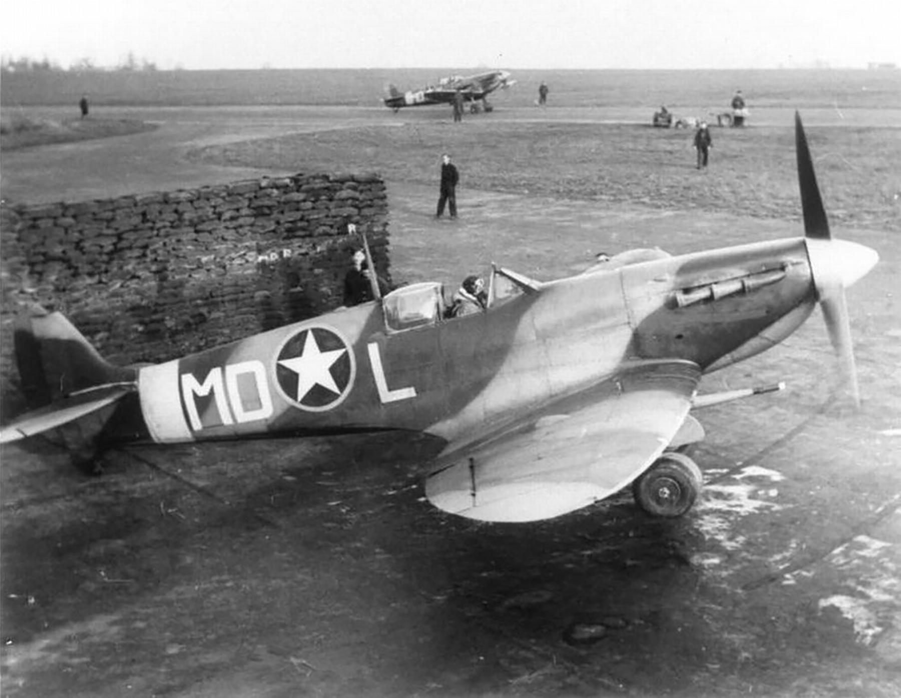 Spitfire MkVb RAF 133Sqn Eagle MDL Spike Miley 01