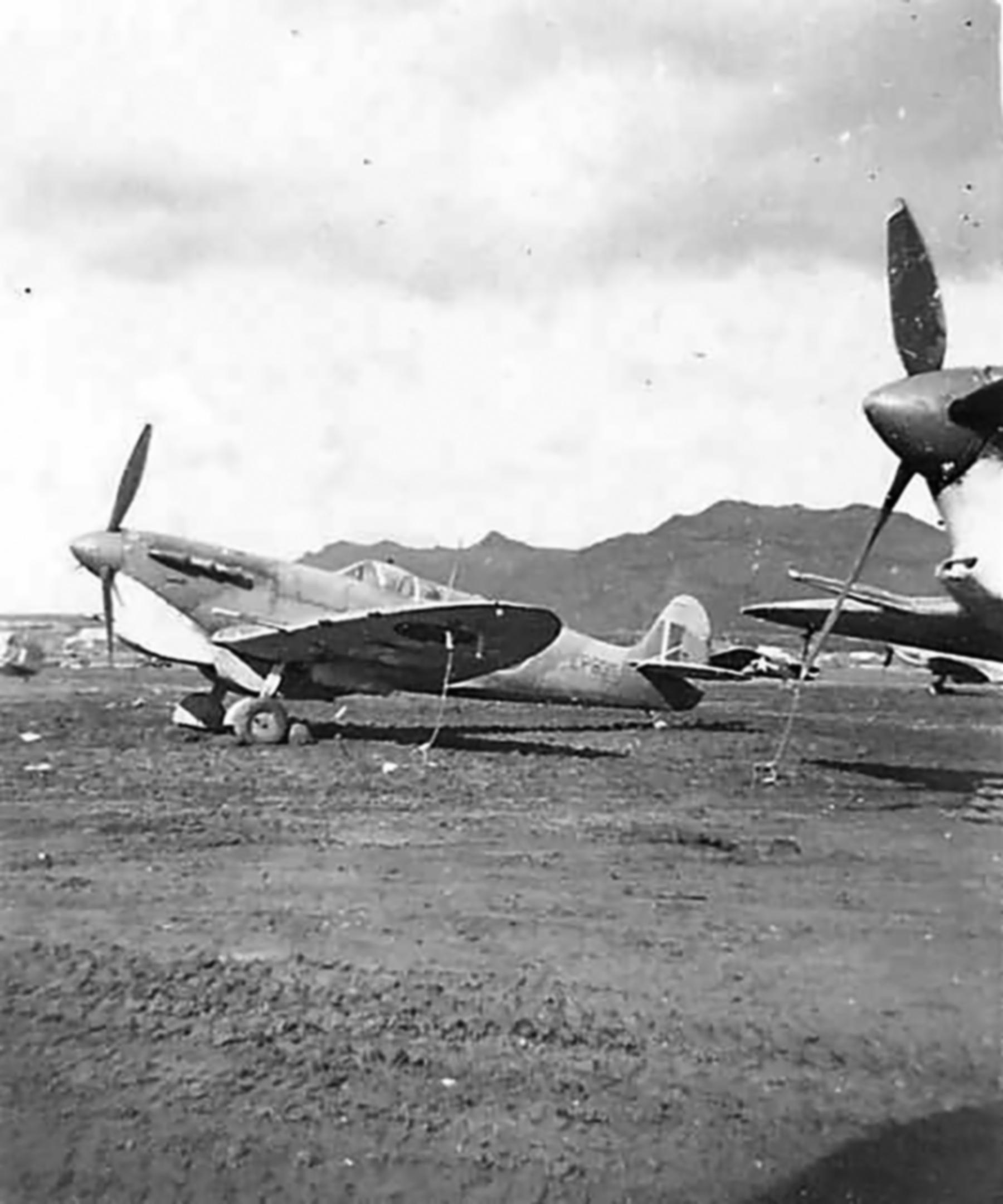 Spitfire MkVbTrop USAAF EP835 Italy 1943 01