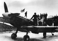 Asisbiz Spitfire MkVb RAF 133Sqn Eagle MD after Ostend Raid 1942 01