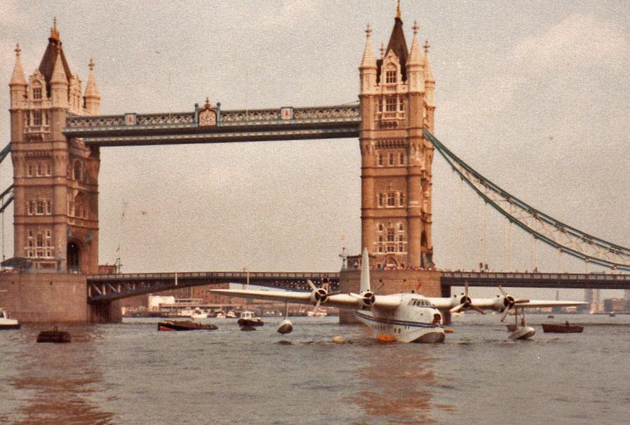 Short S 25 Sunderland MkV Ryan by Tower Bridge 01